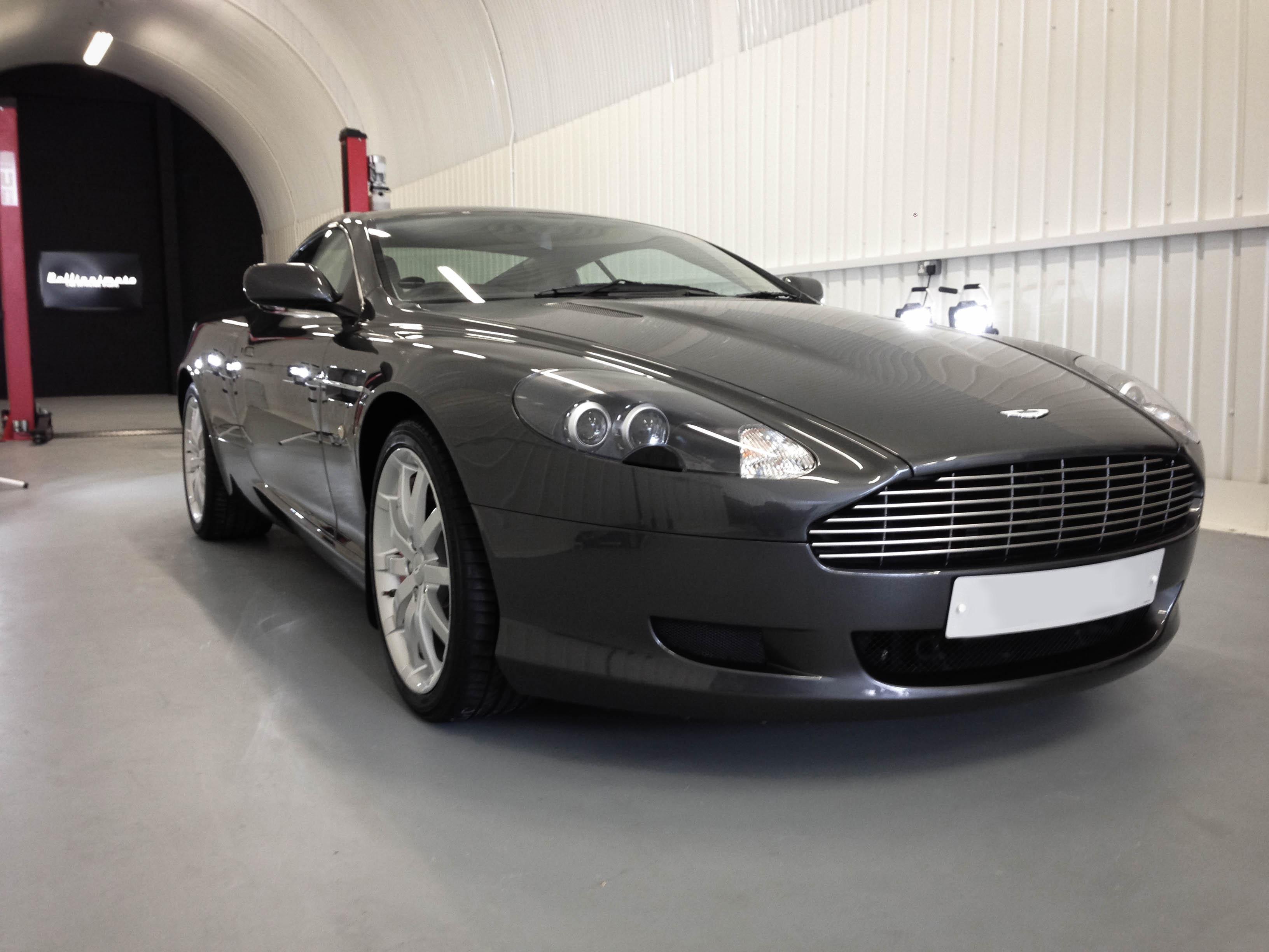 Aston Martin –Front