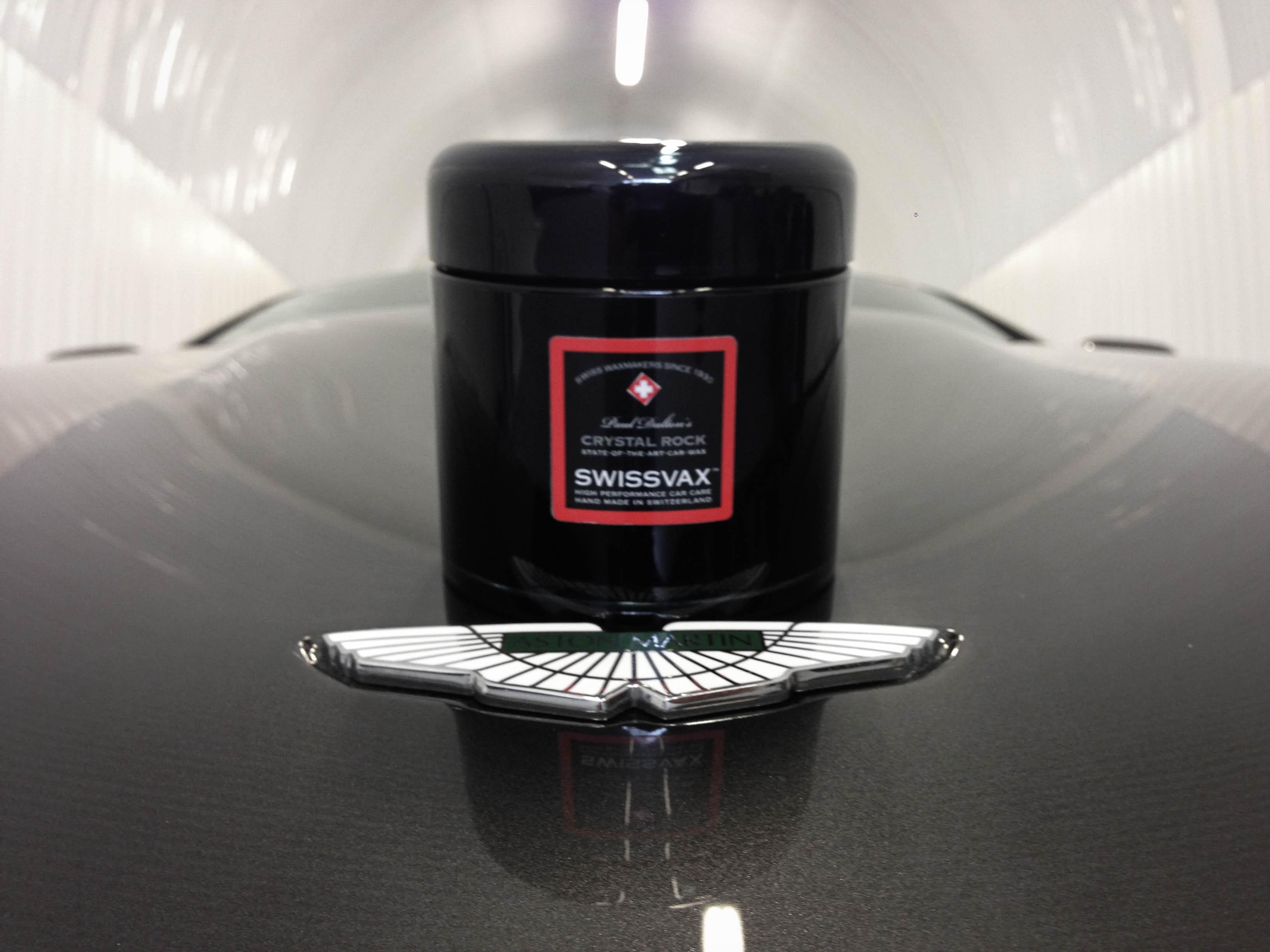 Aston-Martin-DB9 01