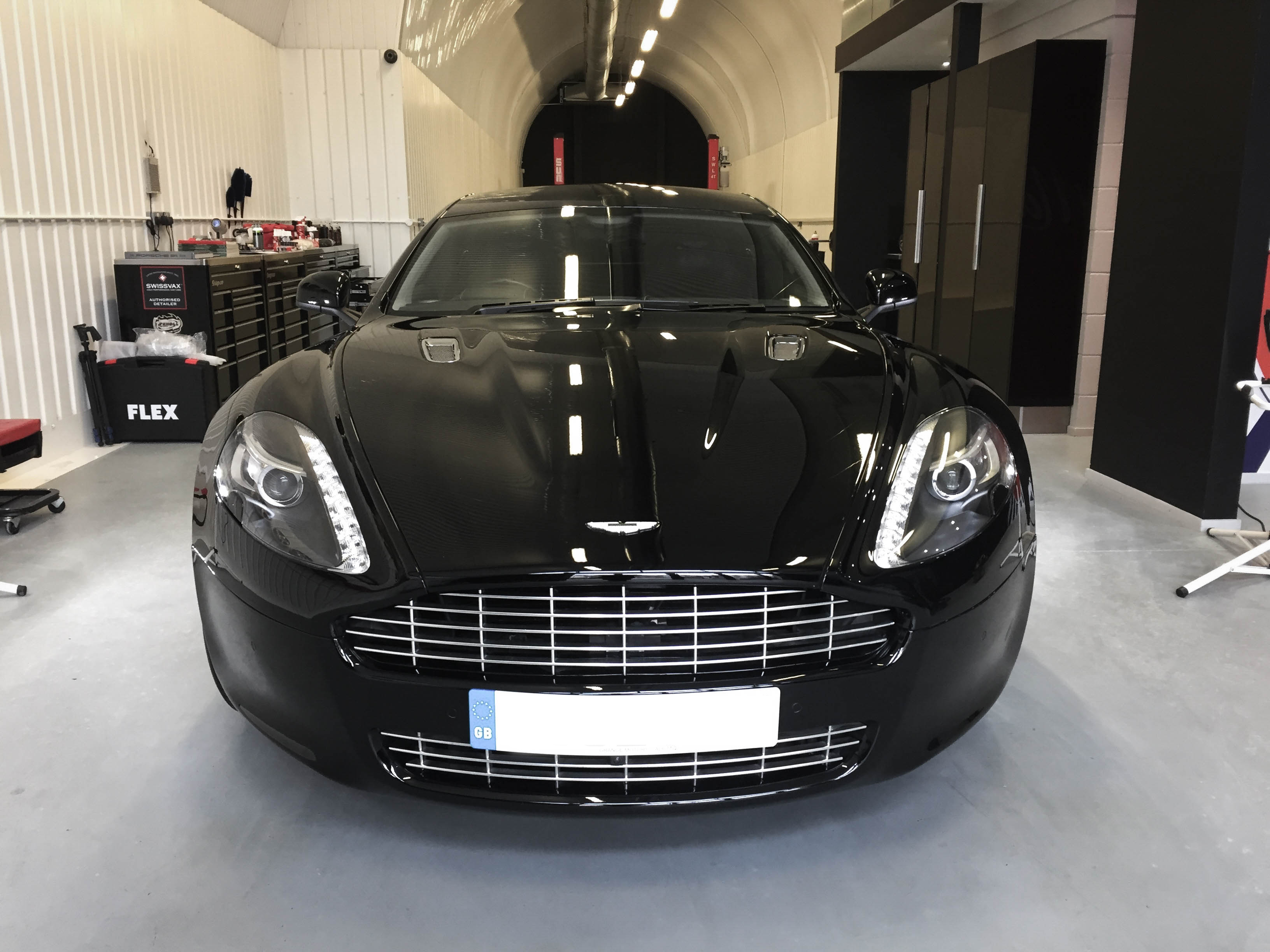 Aston Martin Rapide – Straight on