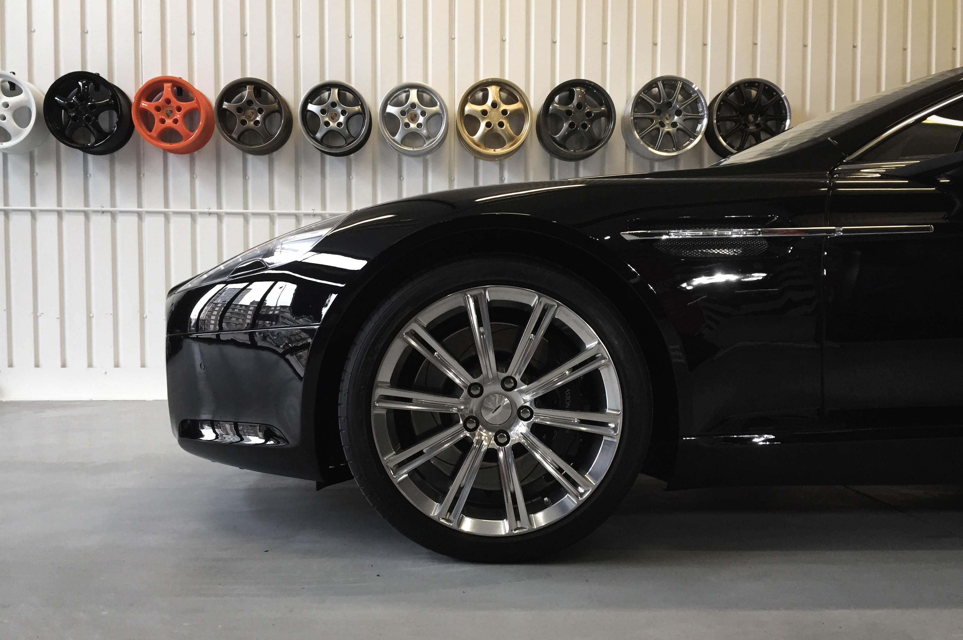 Aston Martin Rapide – Wheel detail