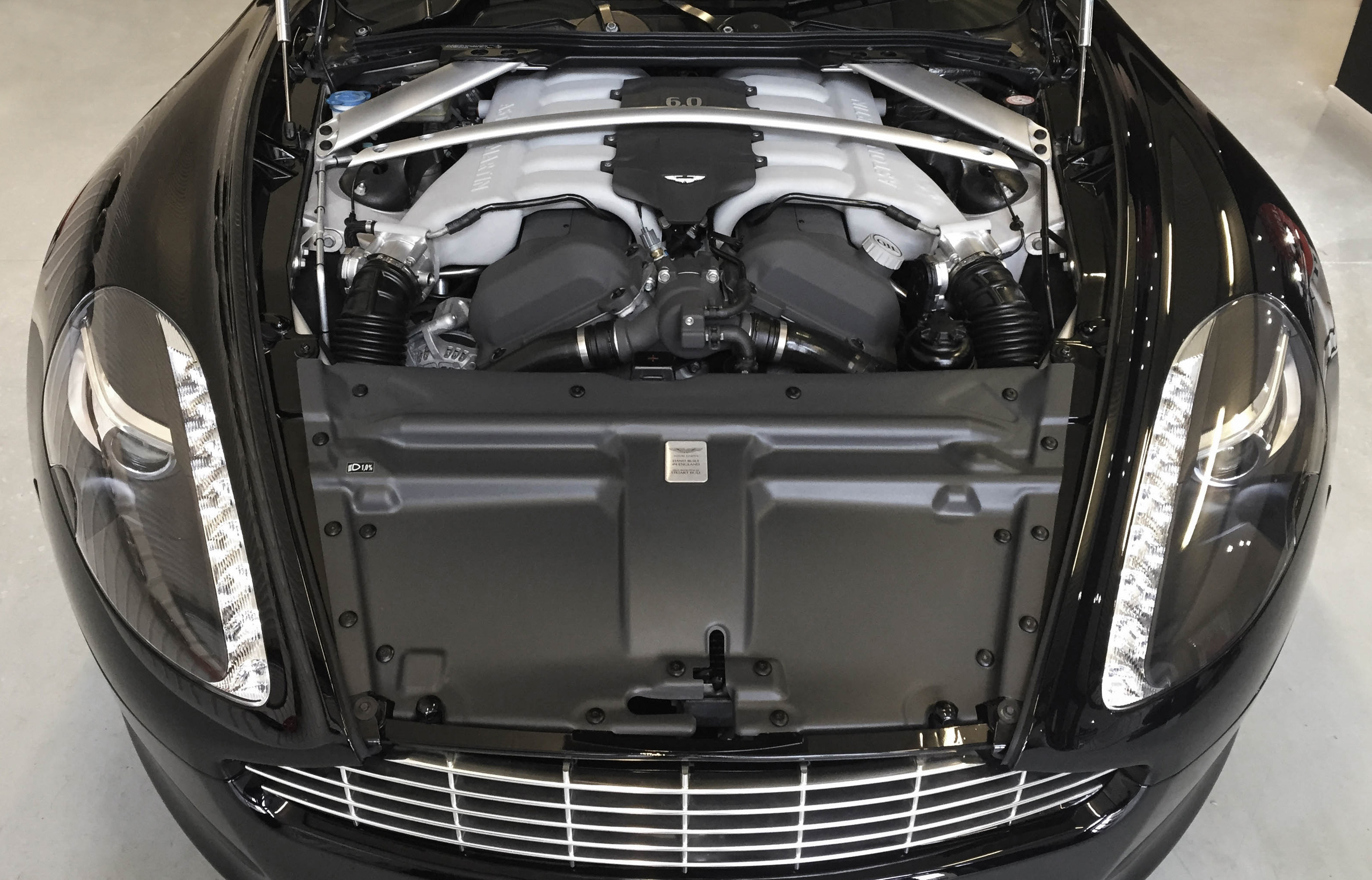 Aston Martin Rapide – engine
