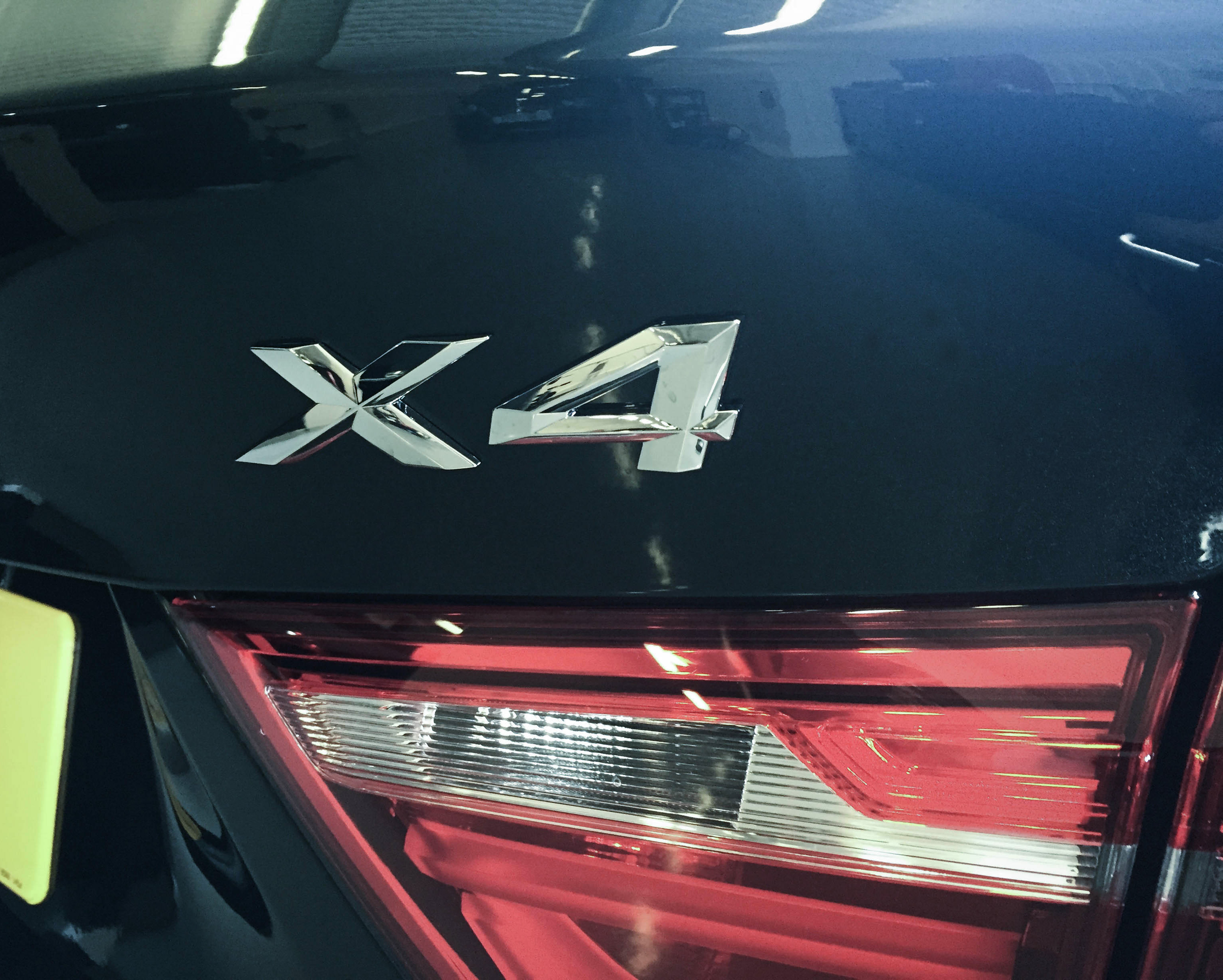 BMW X4 – Rear light detail