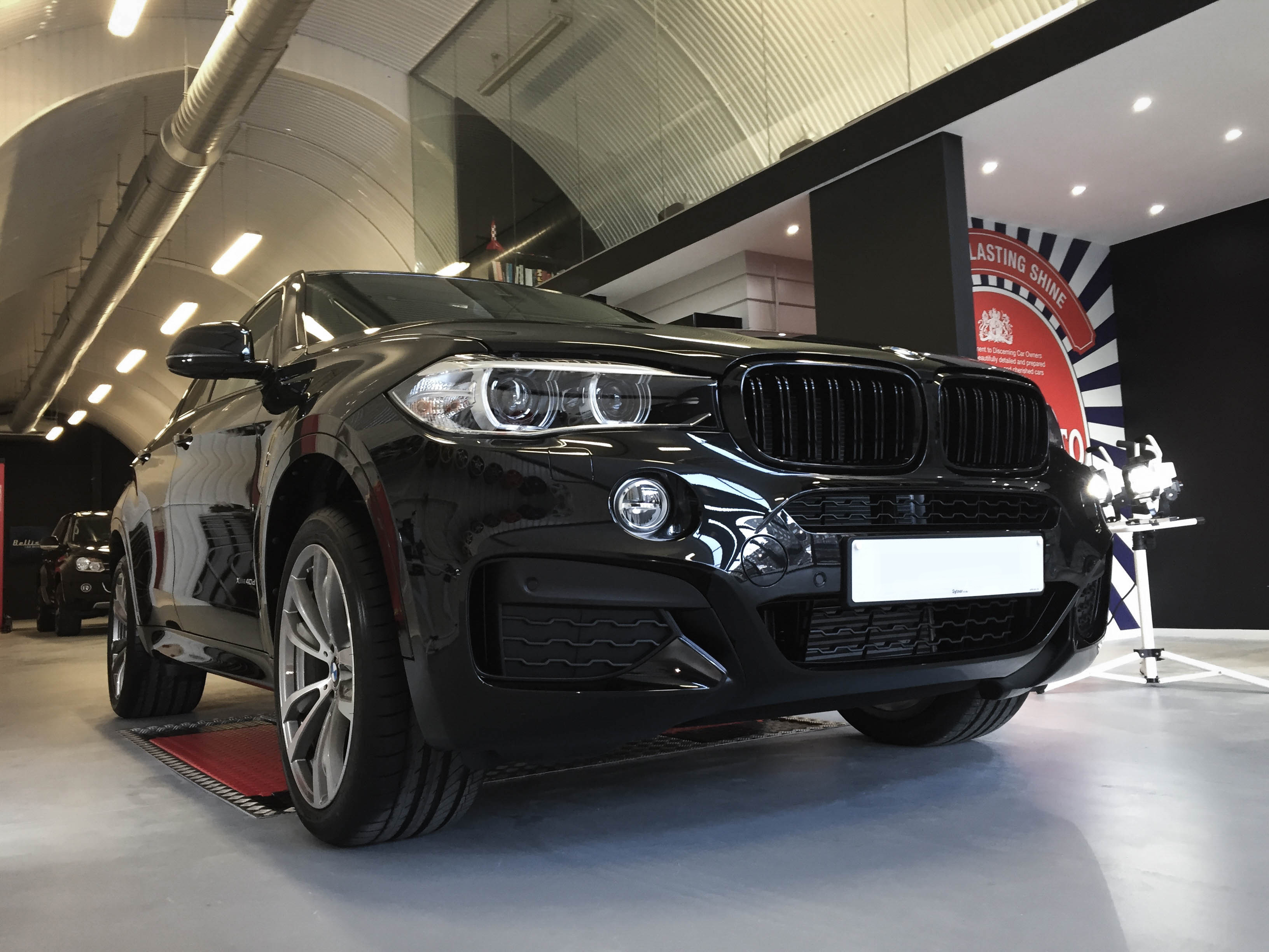 BMW X6 – Front