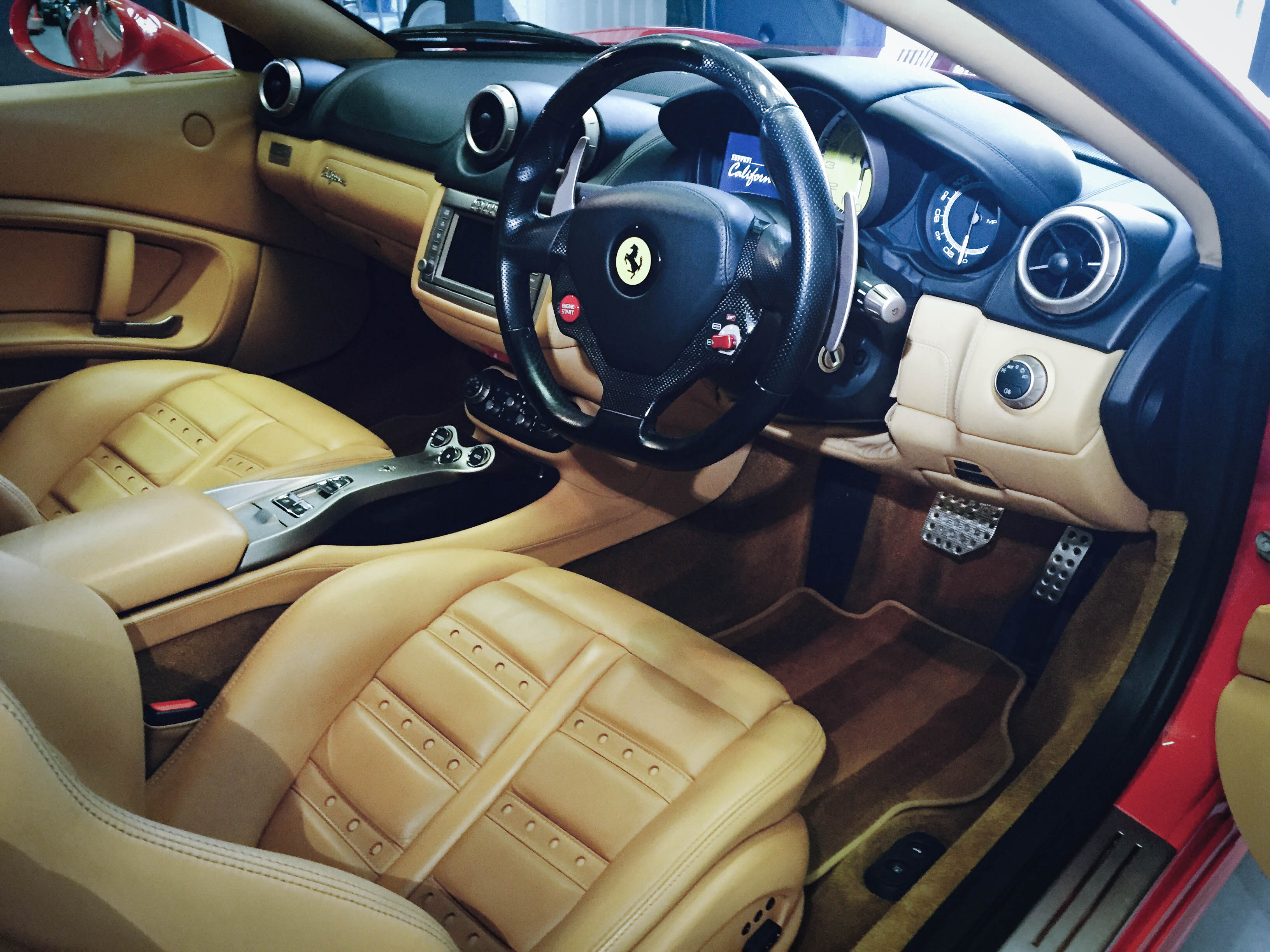 Ferrari California – Interior