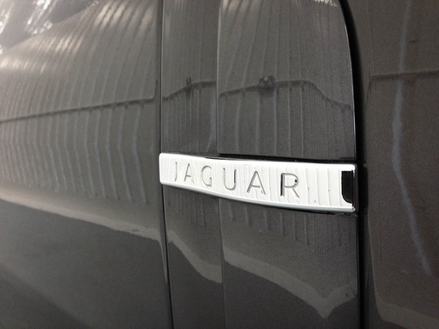 Jaguar XF – Badge detail