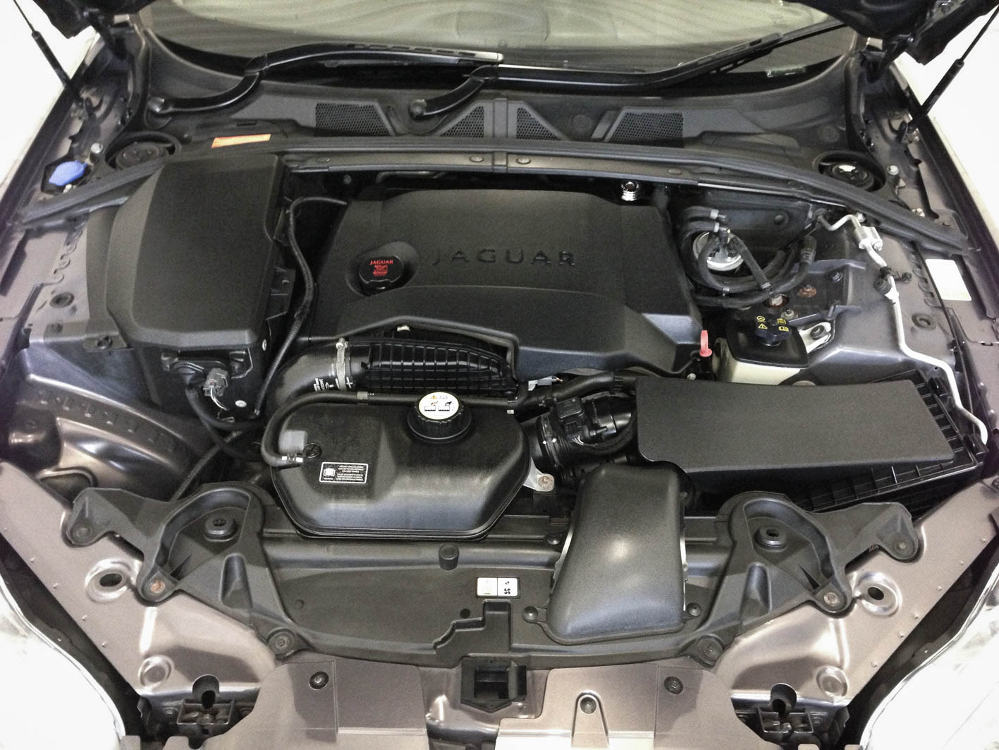Jaguar XF – Engine