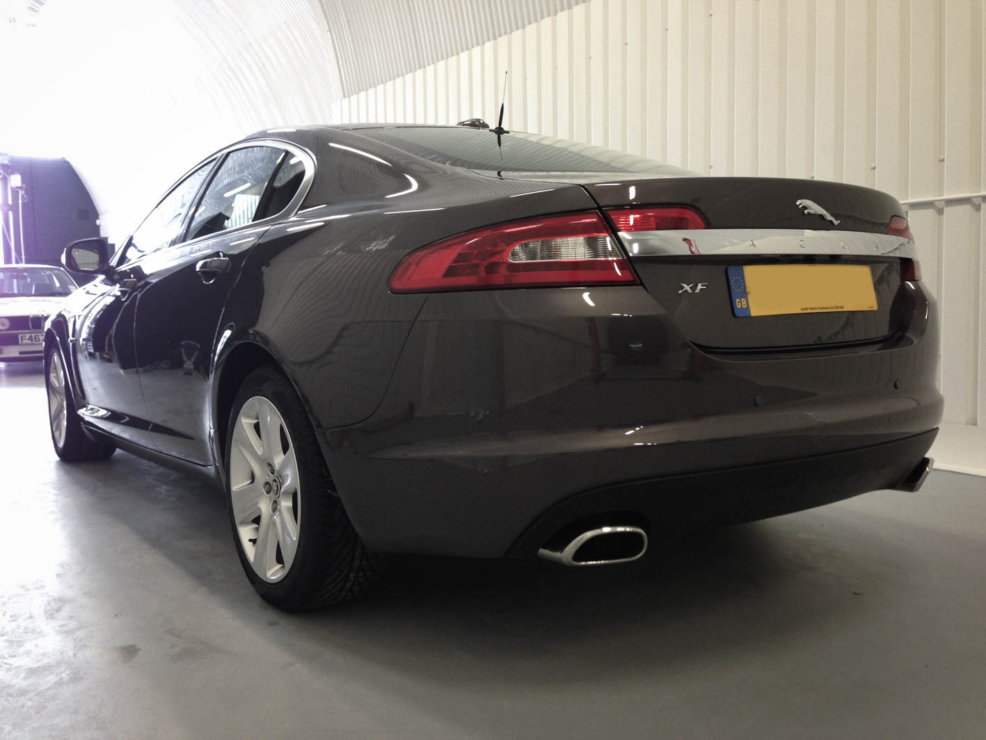 Jaguar XF – Rear