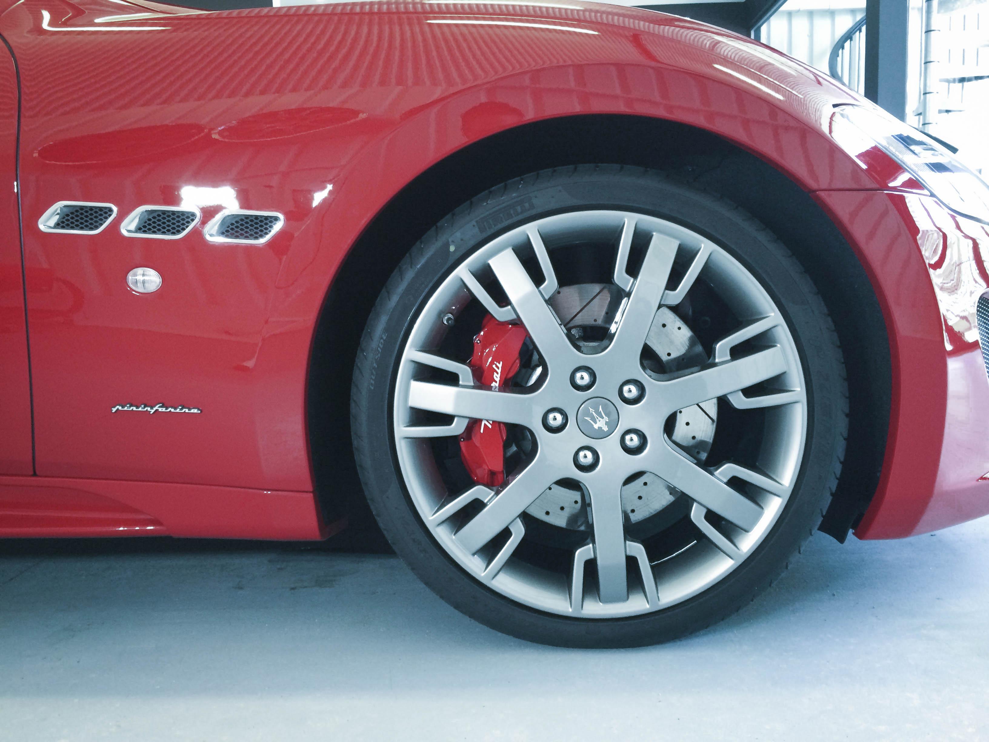 Maserati Gran Turismo – Front wheel