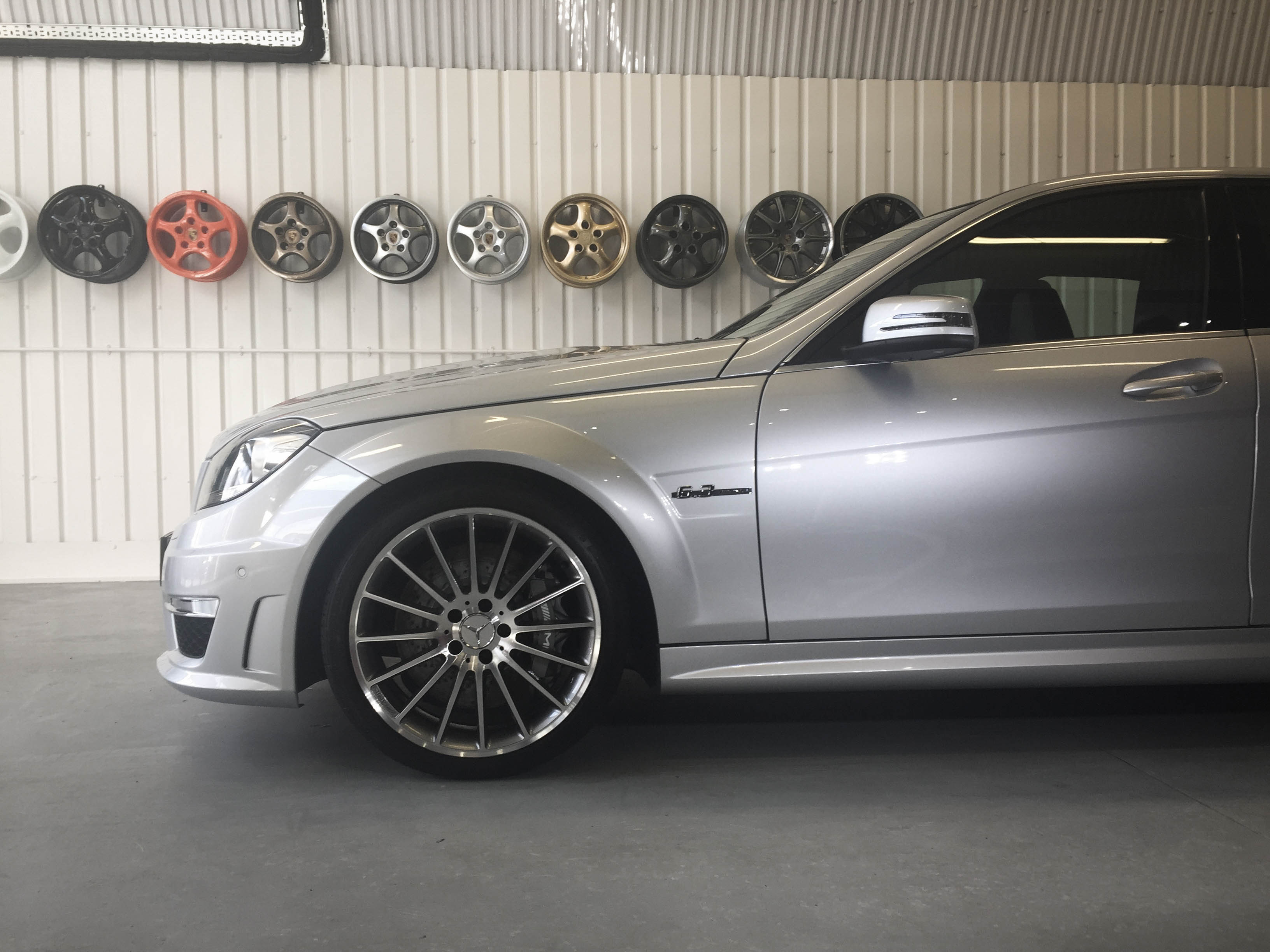 Mercedes C63 AMG – Front wheel