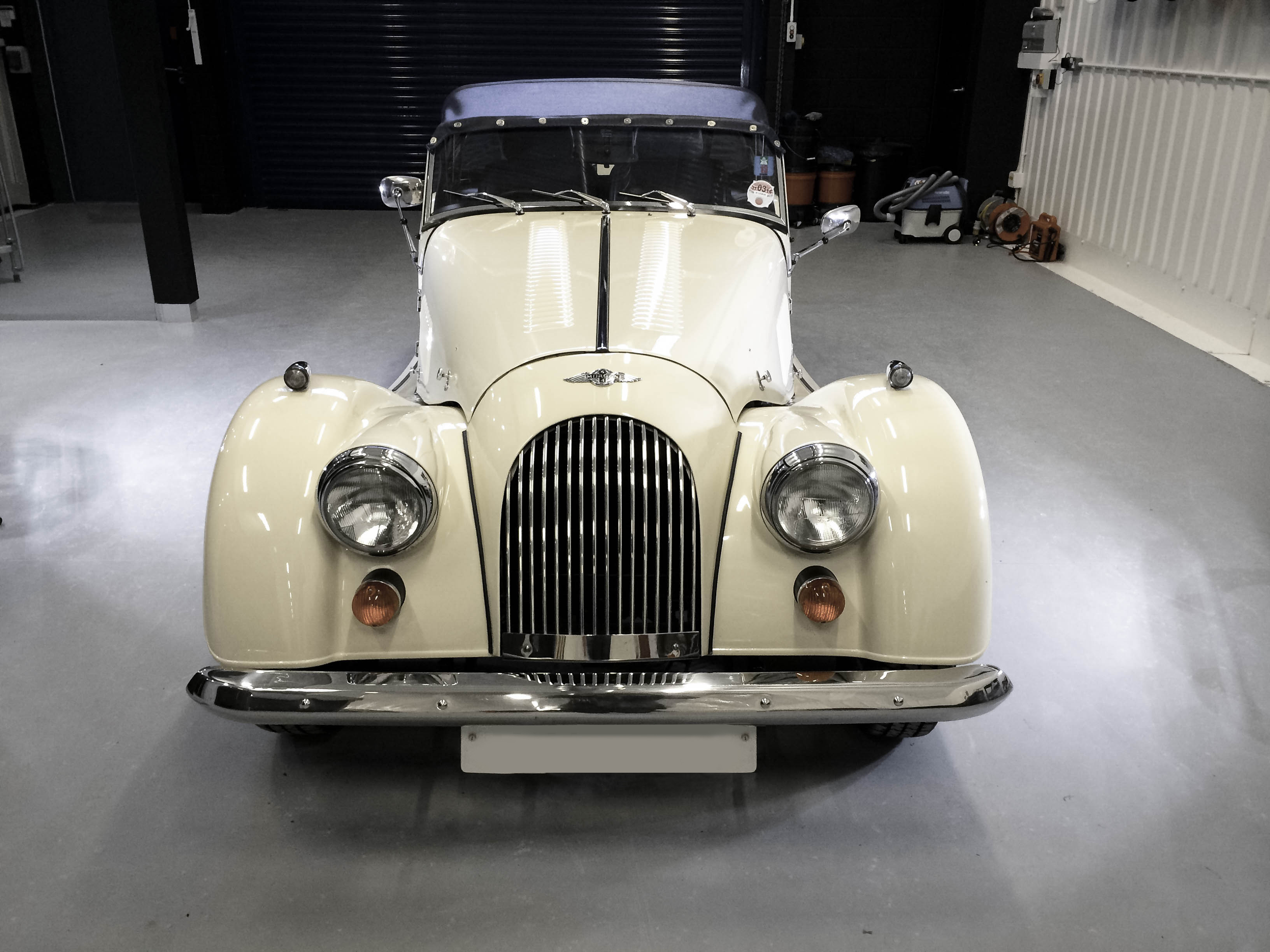 Morgan – Front view