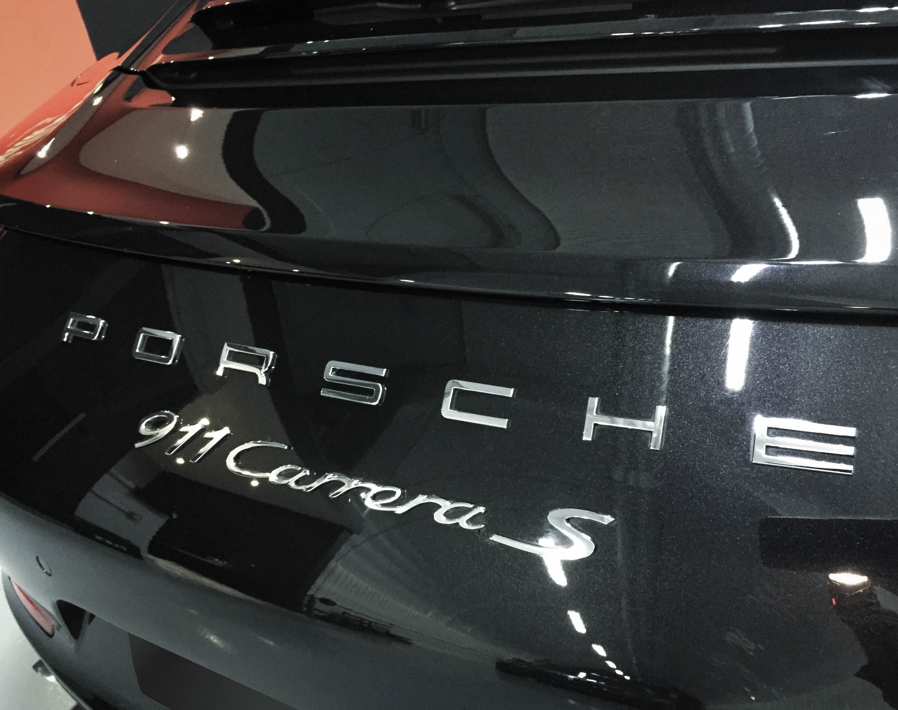 Porsche 911 Carrera – Badge