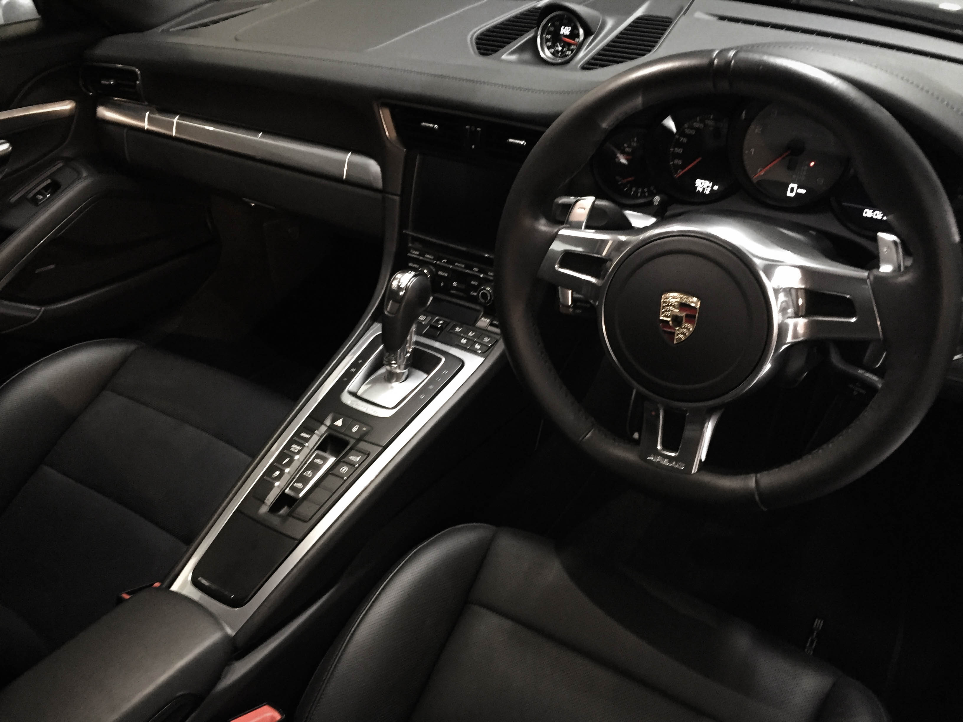 Porsche 911 Carrera – Interior