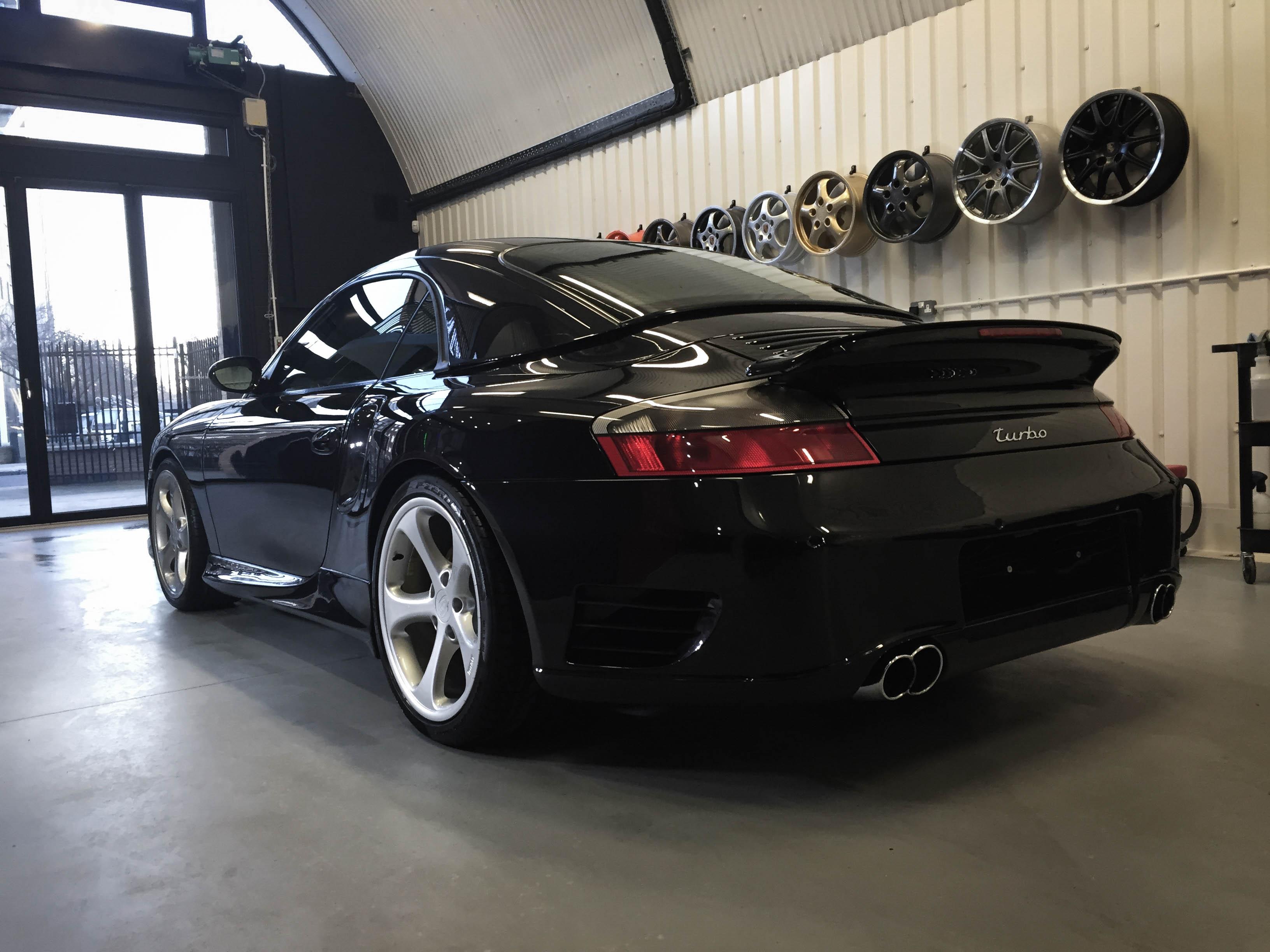 Porsche 997T – Back 1