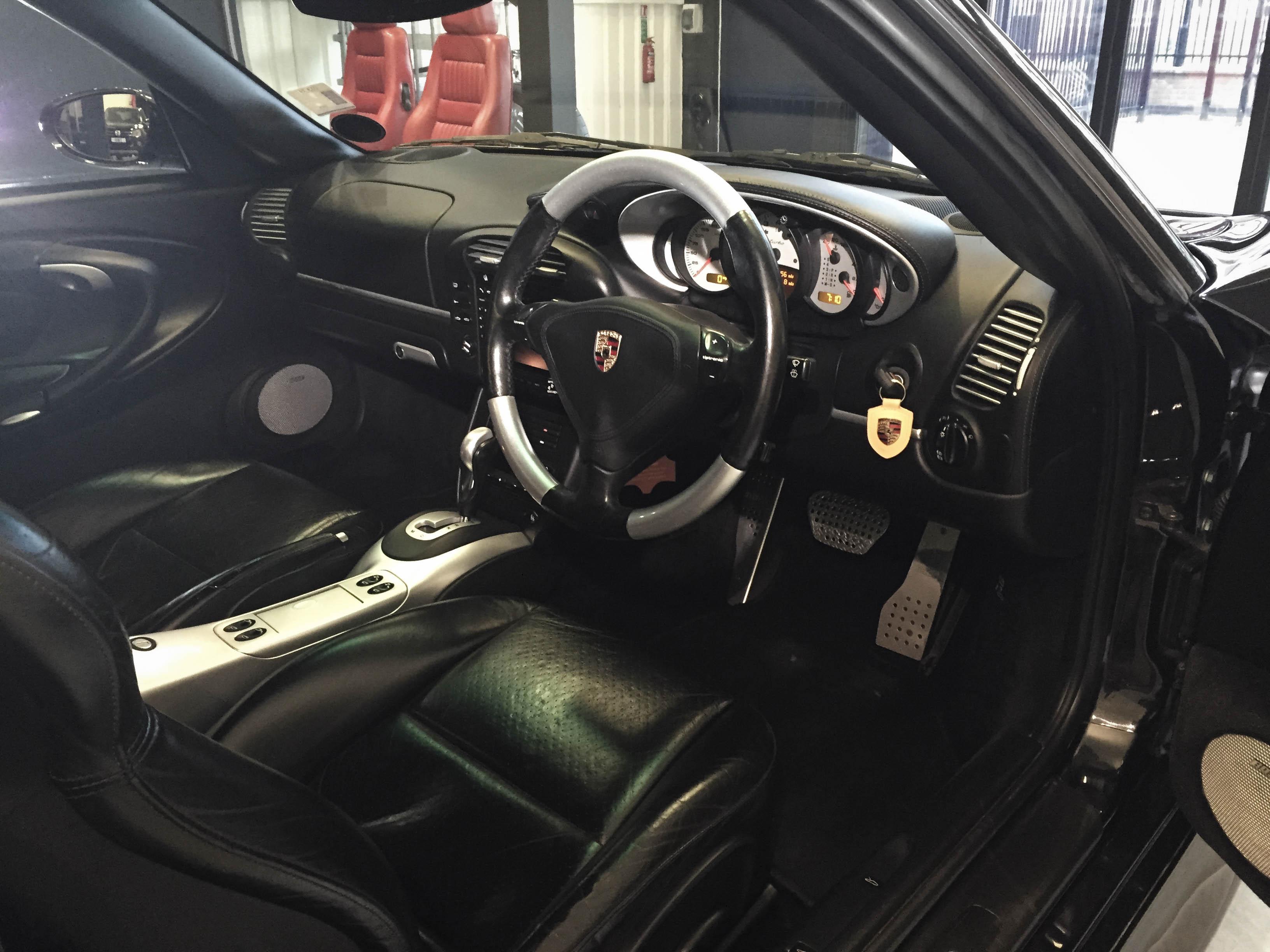 Porsche 997T – Interior
