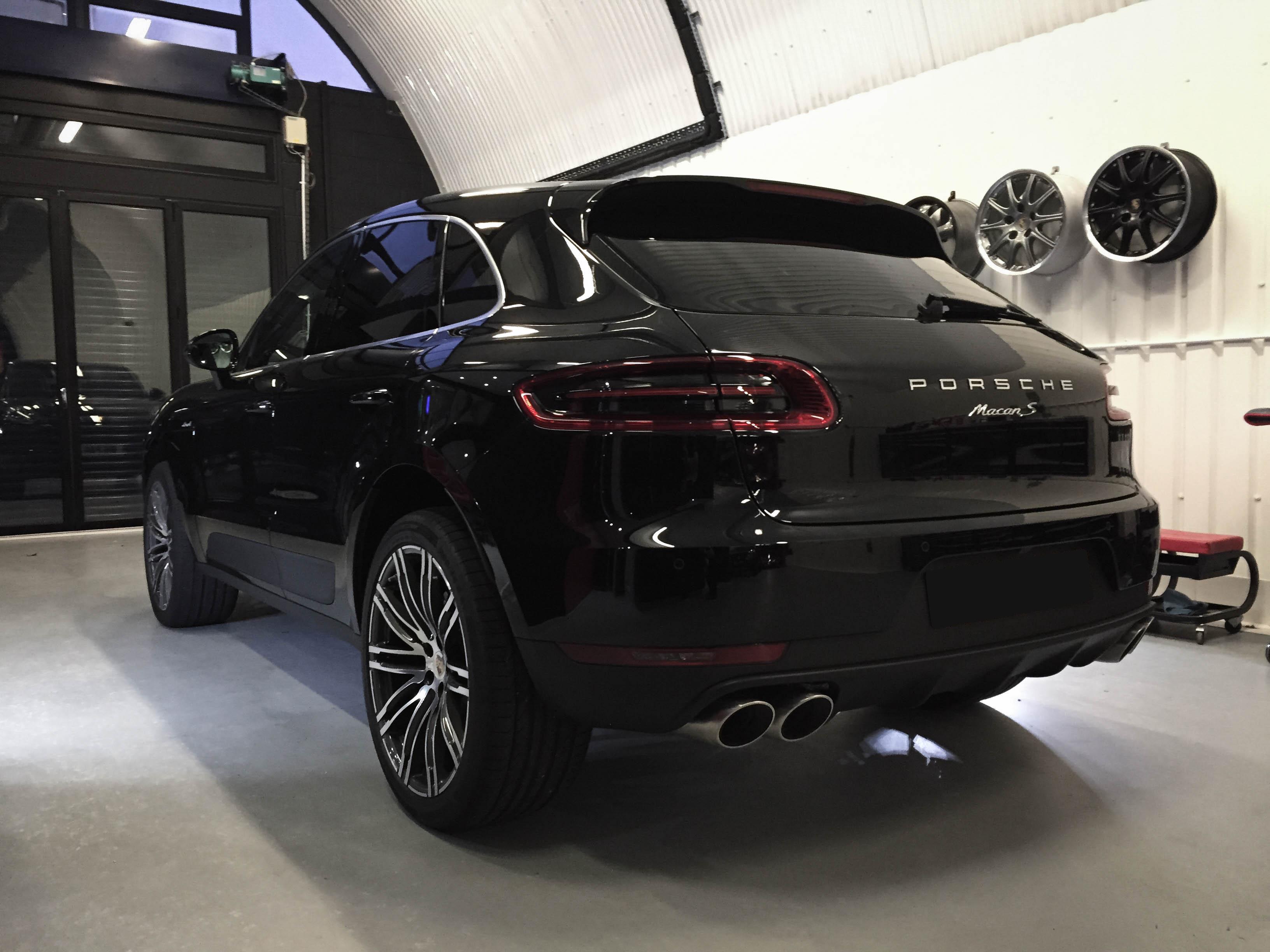 Porsche Macan – Rear