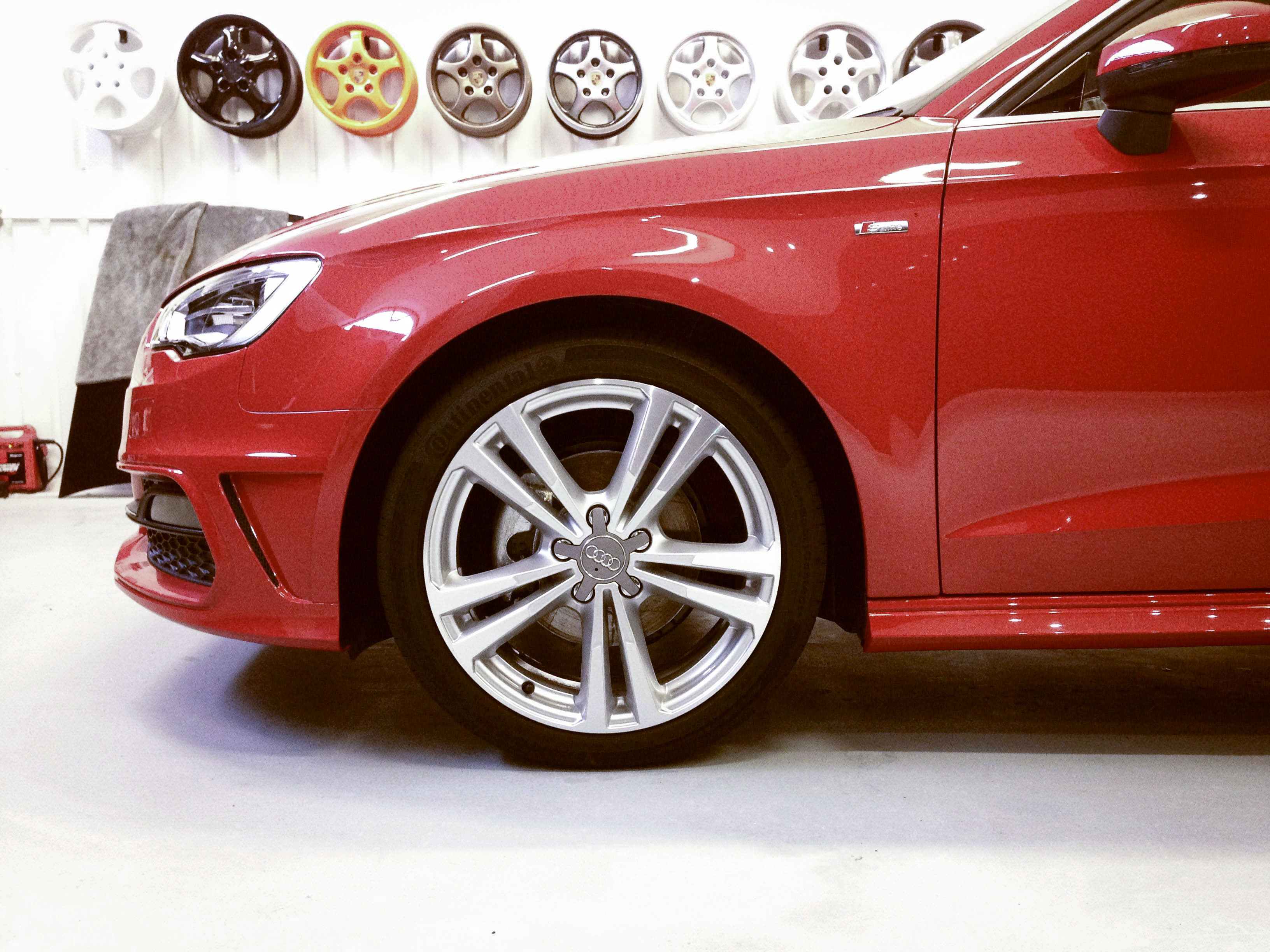 Audi A3 (Misano Red) – Wheel