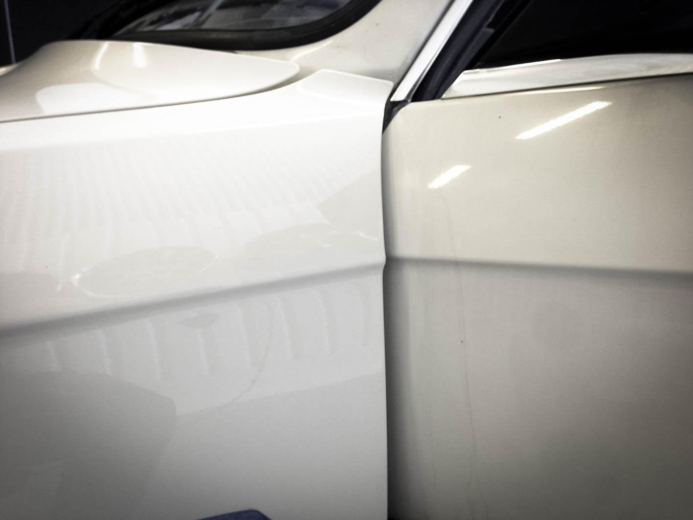 BMW 320i – door