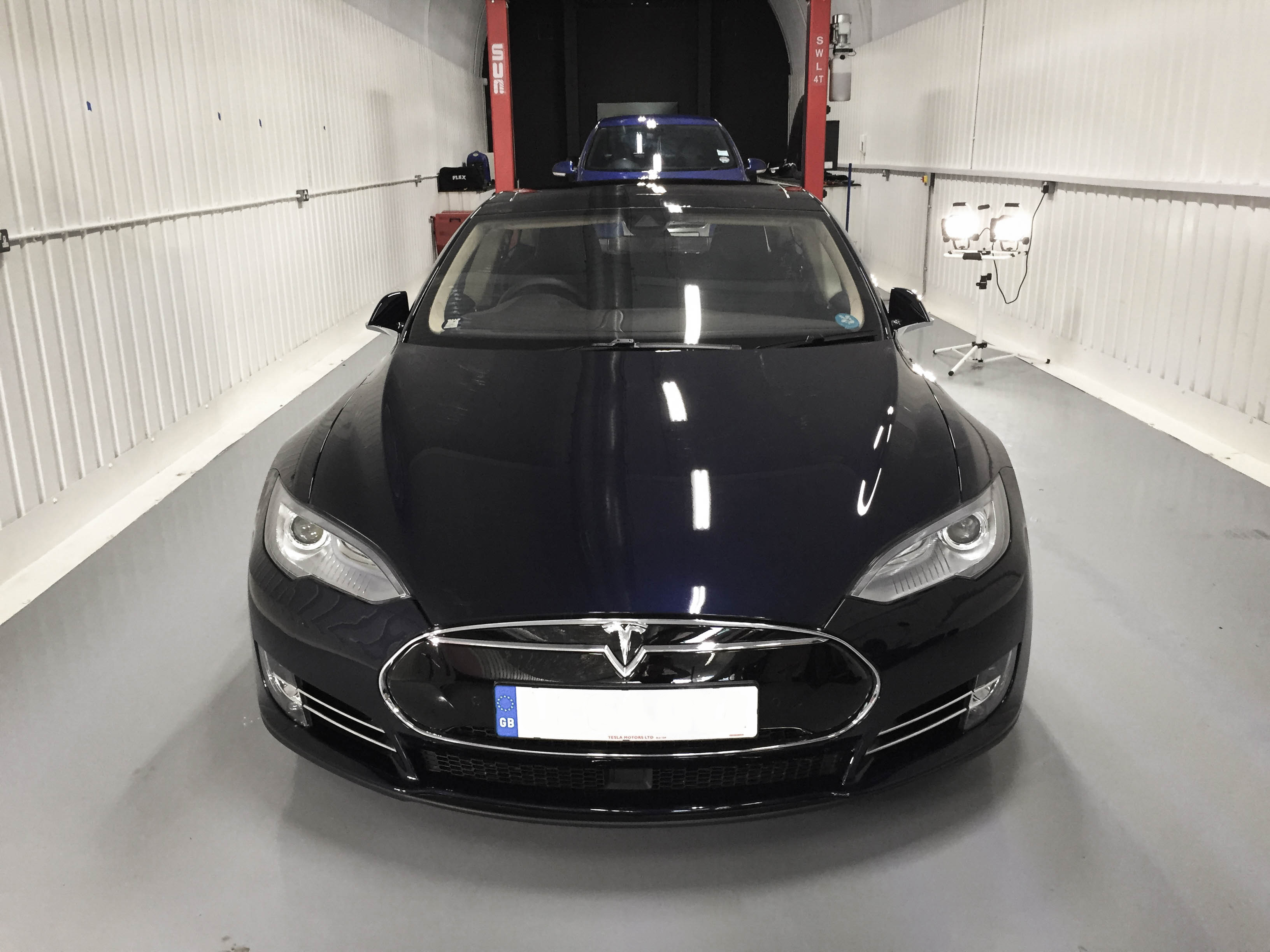 Tesla-Model S-headon