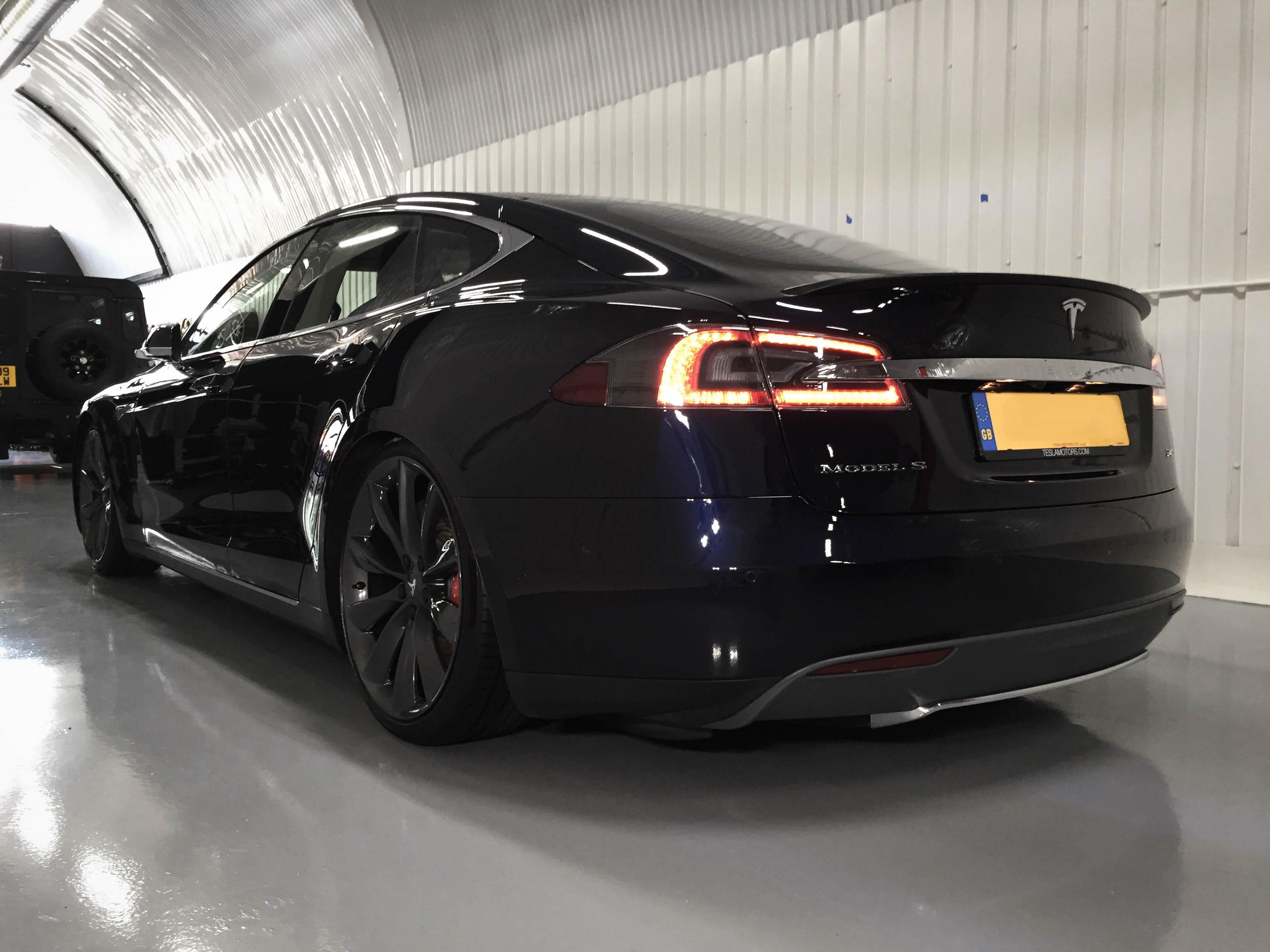 Tesla-Model S-rear