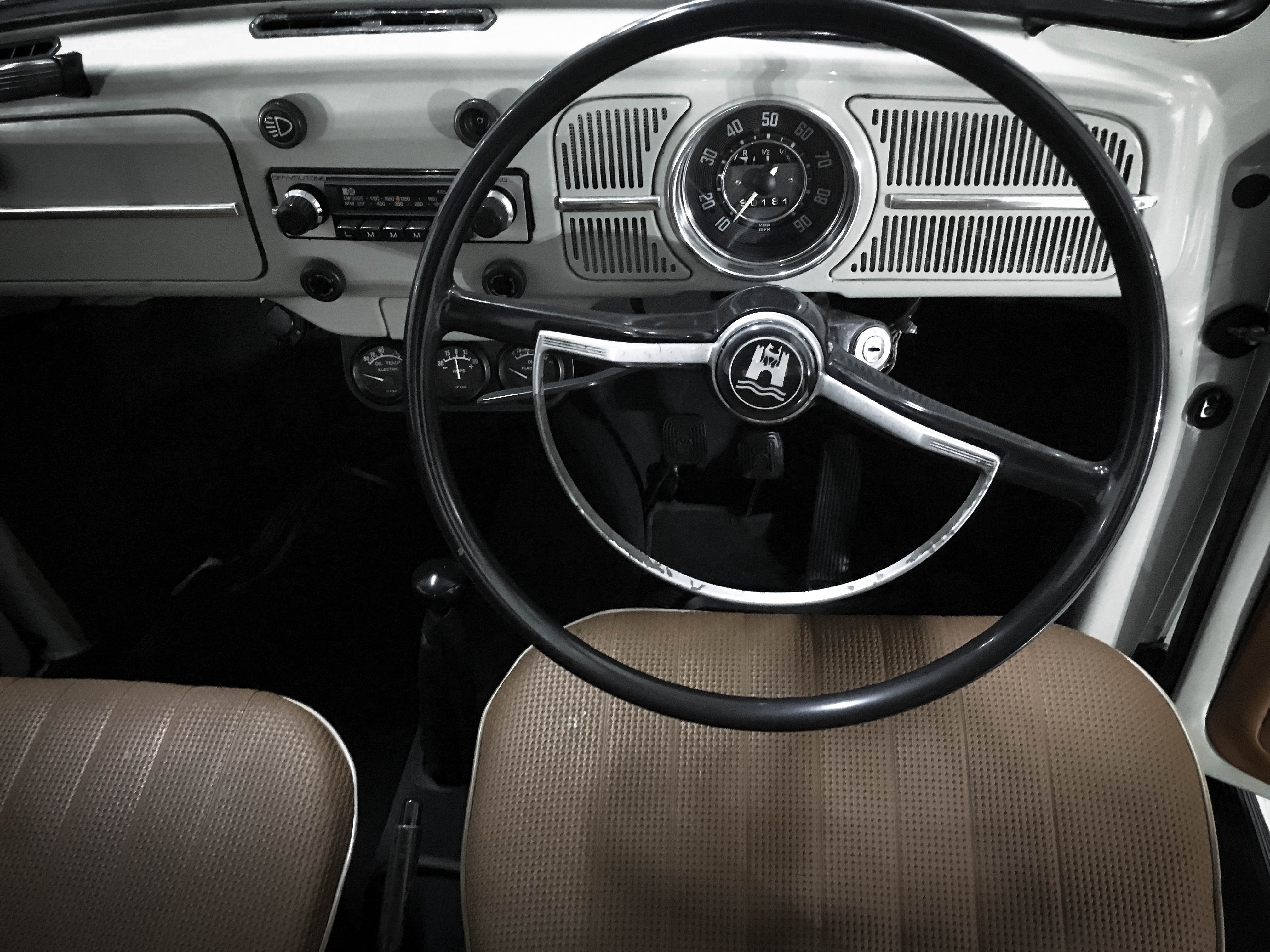 VW-Beetle-interior