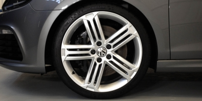 VW-Golf-R-wheeldetail