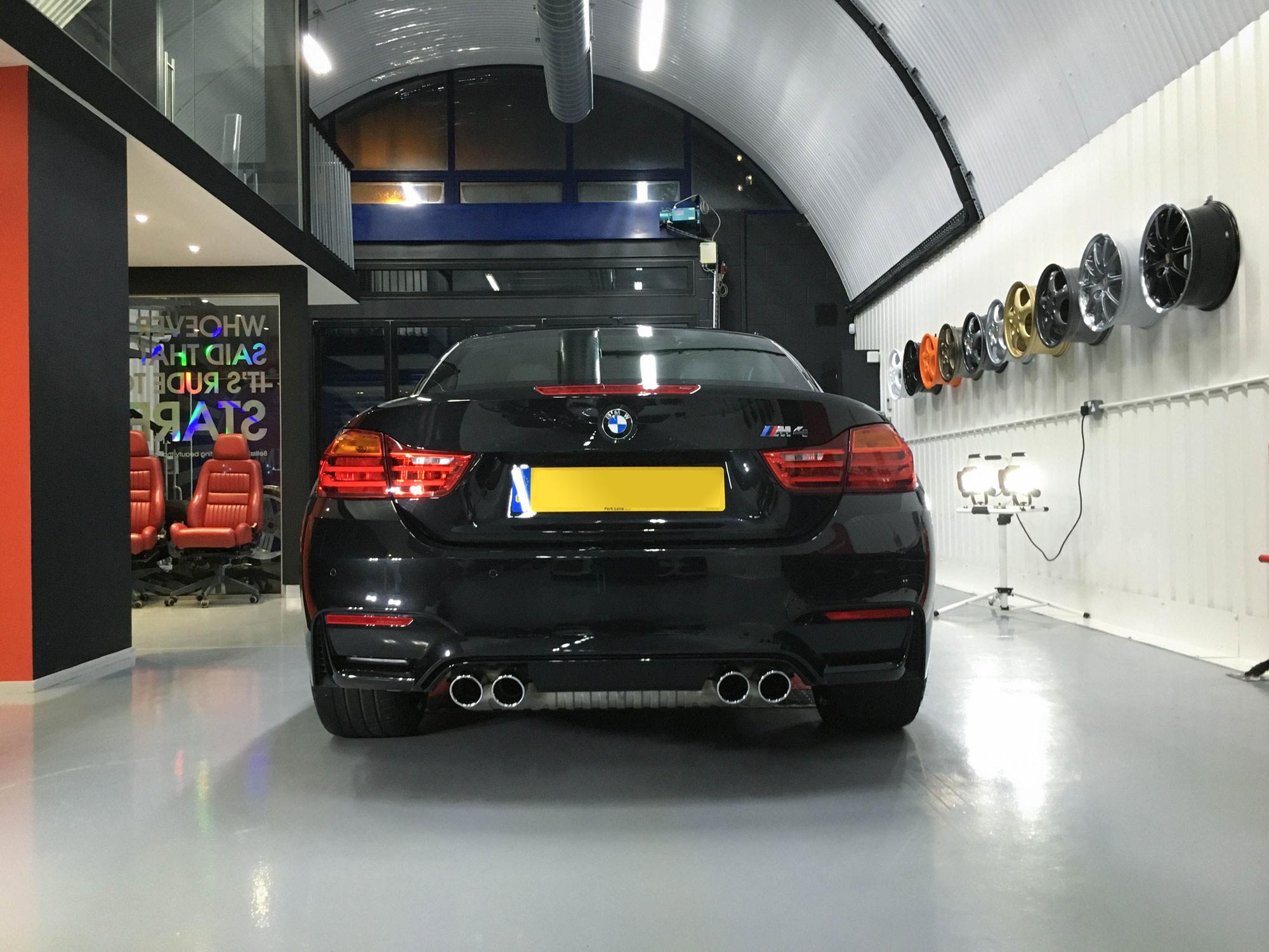 BMW-M4-rear