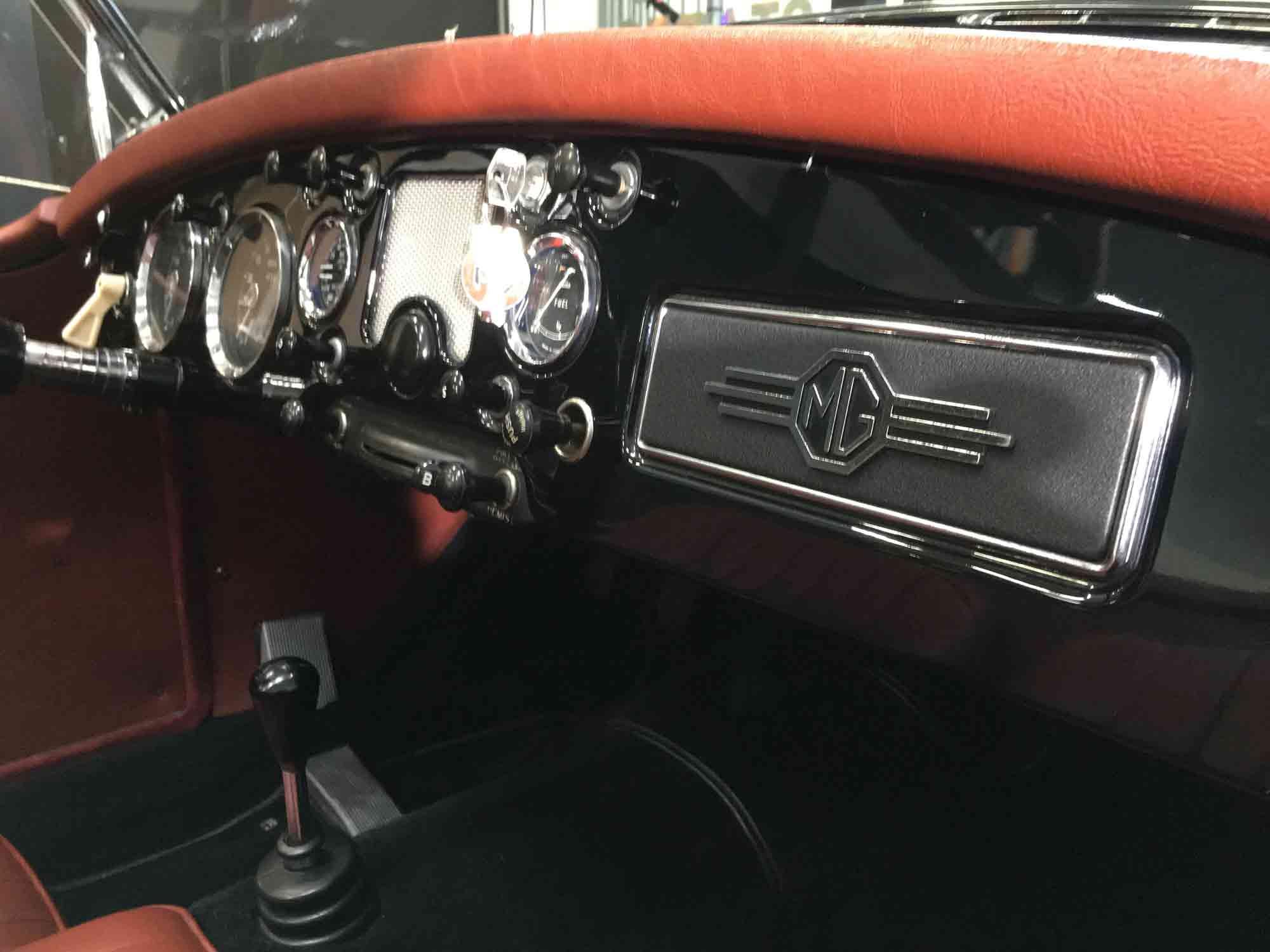 MGA-interior
