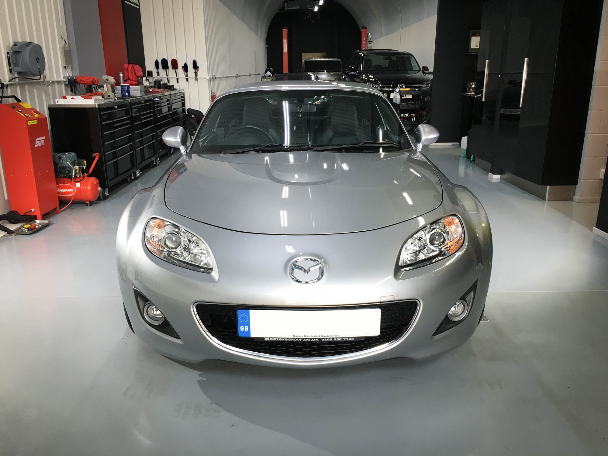 Mazda-mx5-head-on