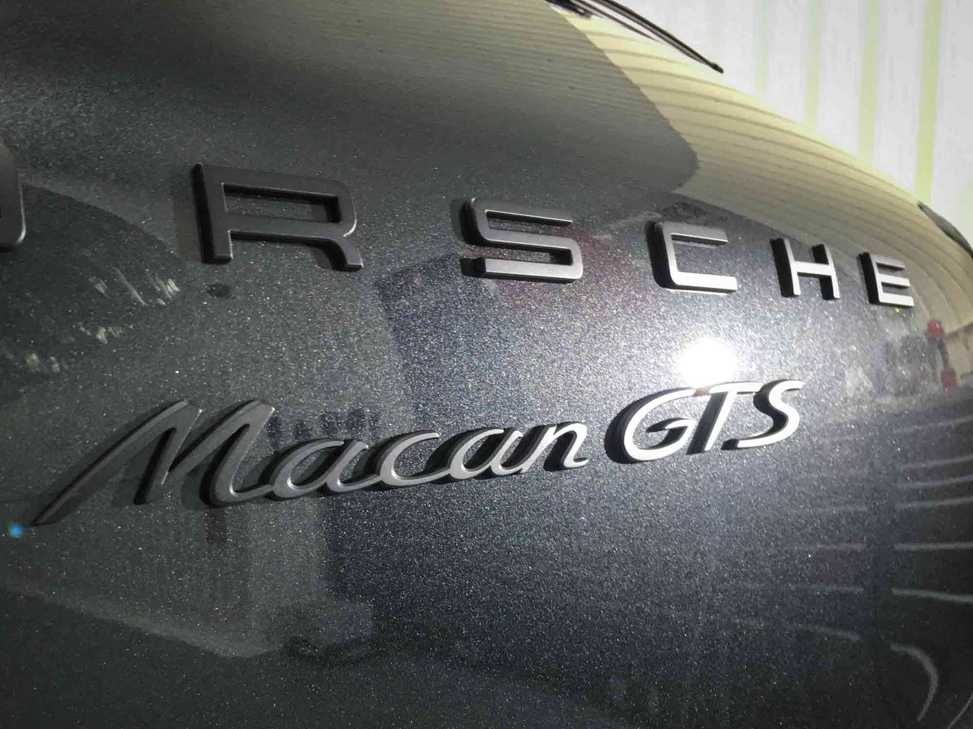 Porsche_Macan_GTS-badge-detail