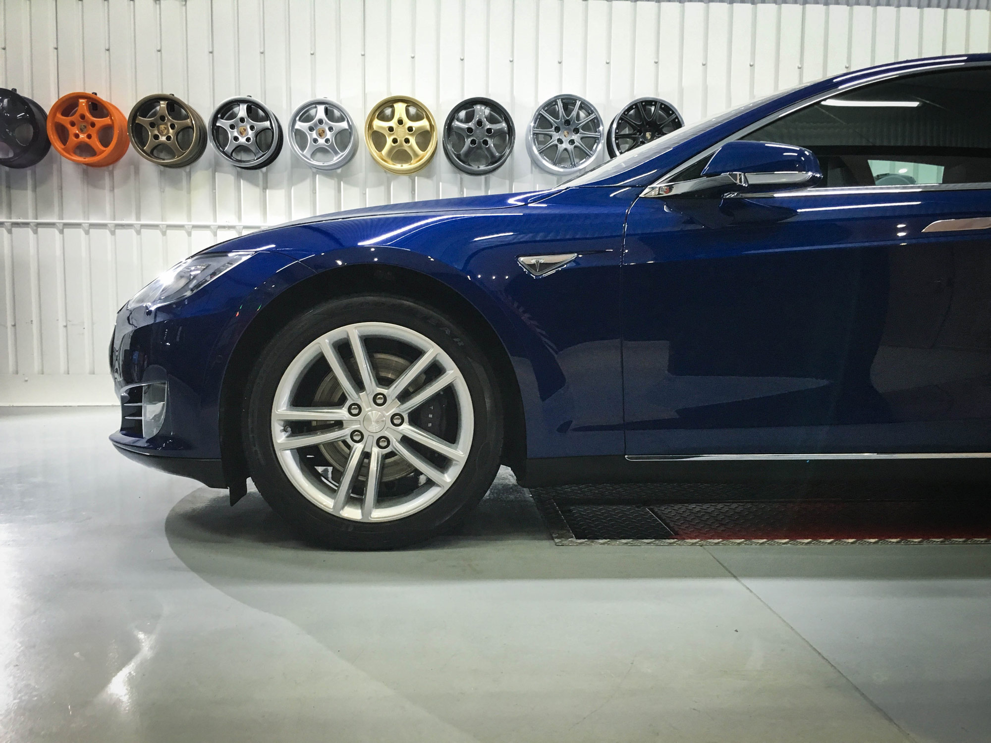 Tesla_Model_S-alloys