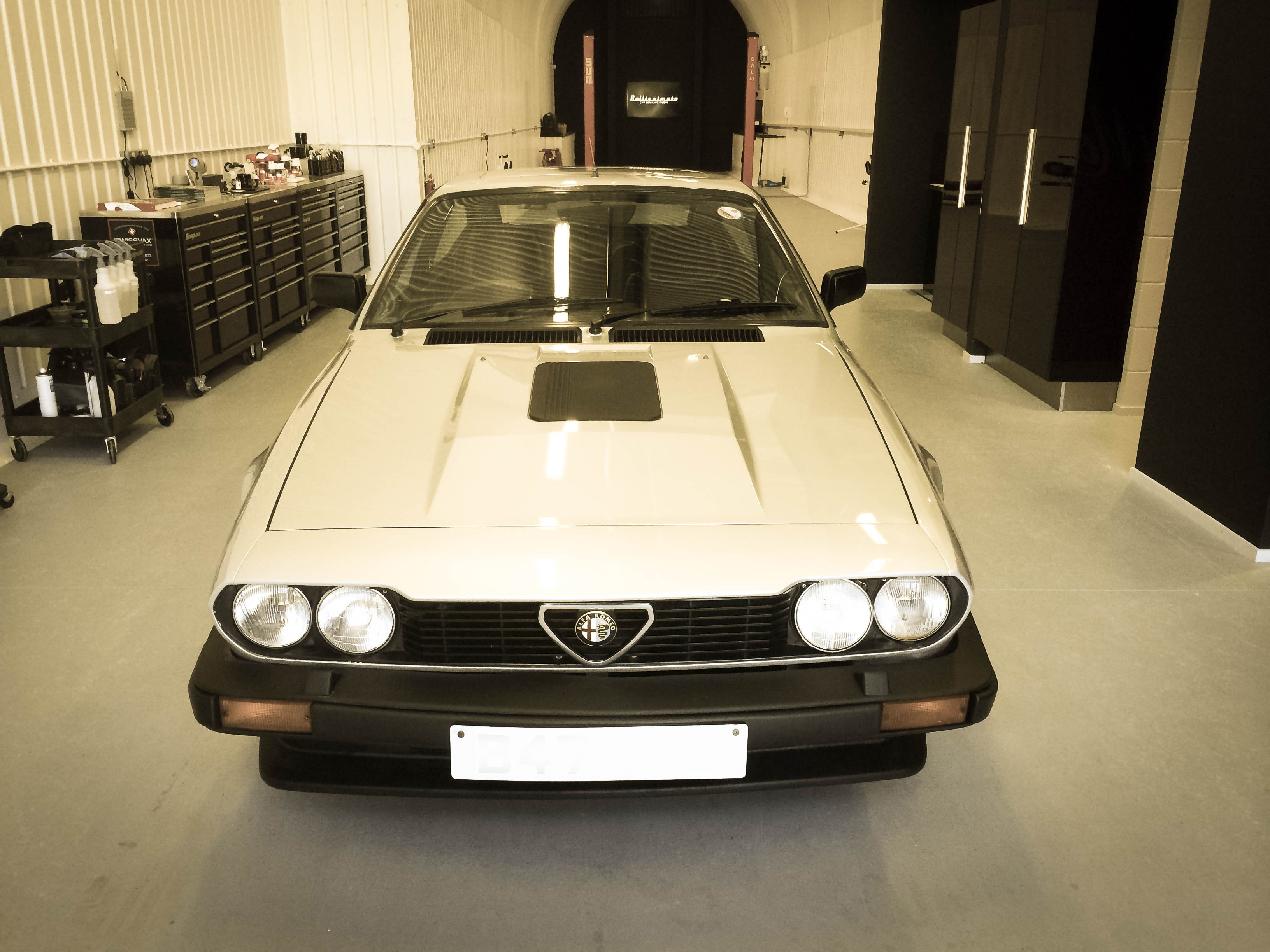 Alfa Romeo GTV6 –Head on