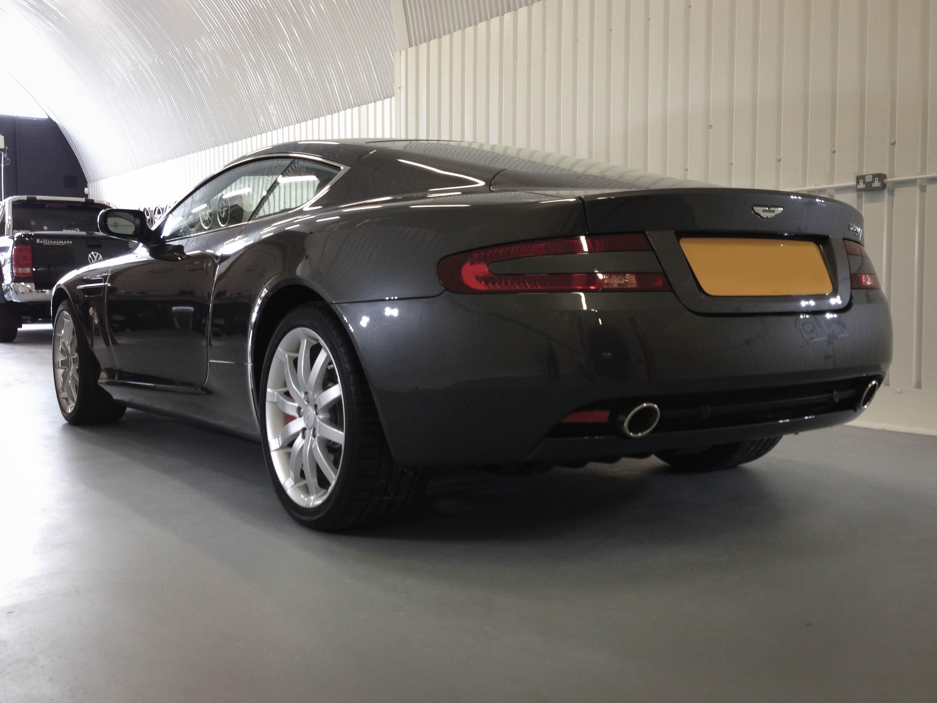 Aston Martin DB9 – Rear