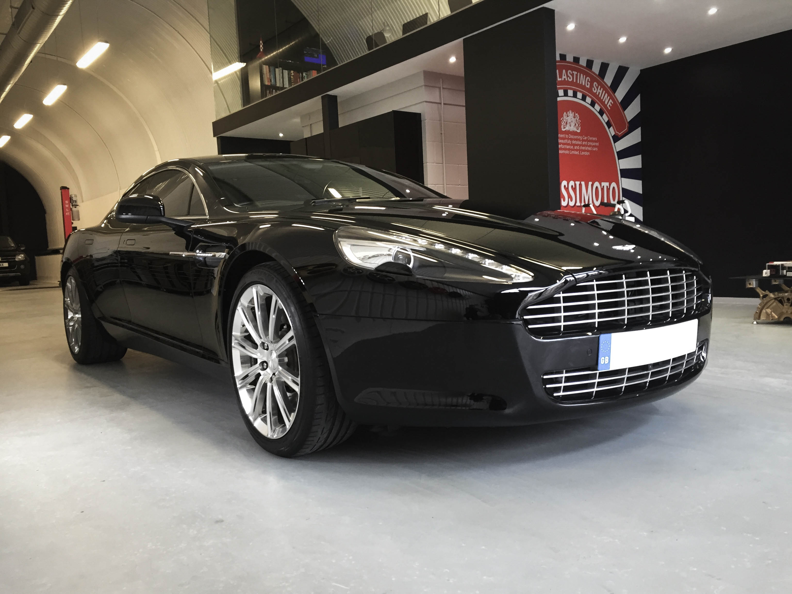 Aston Martin Rapide – Front