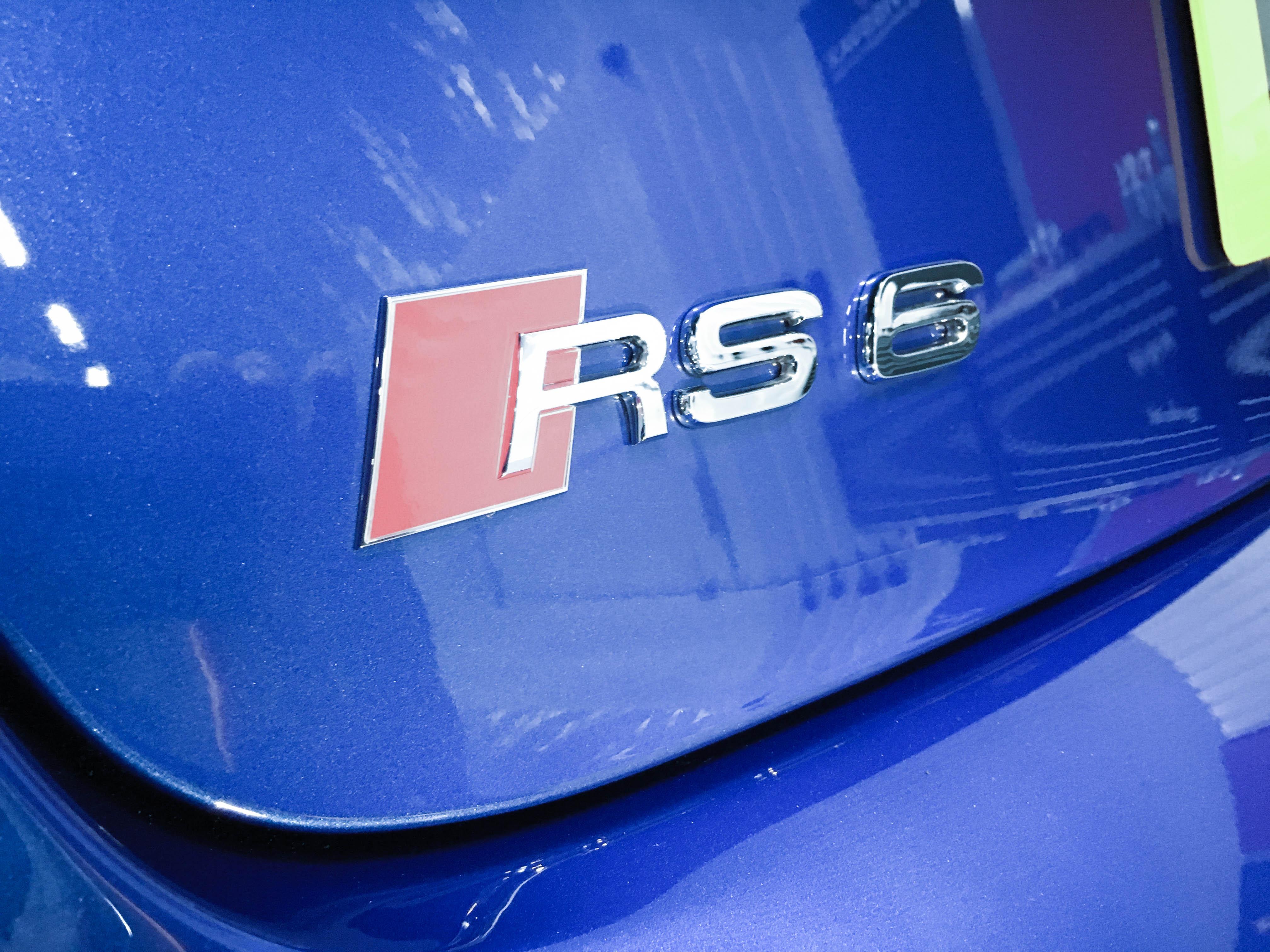 Audi RS6 –Badge