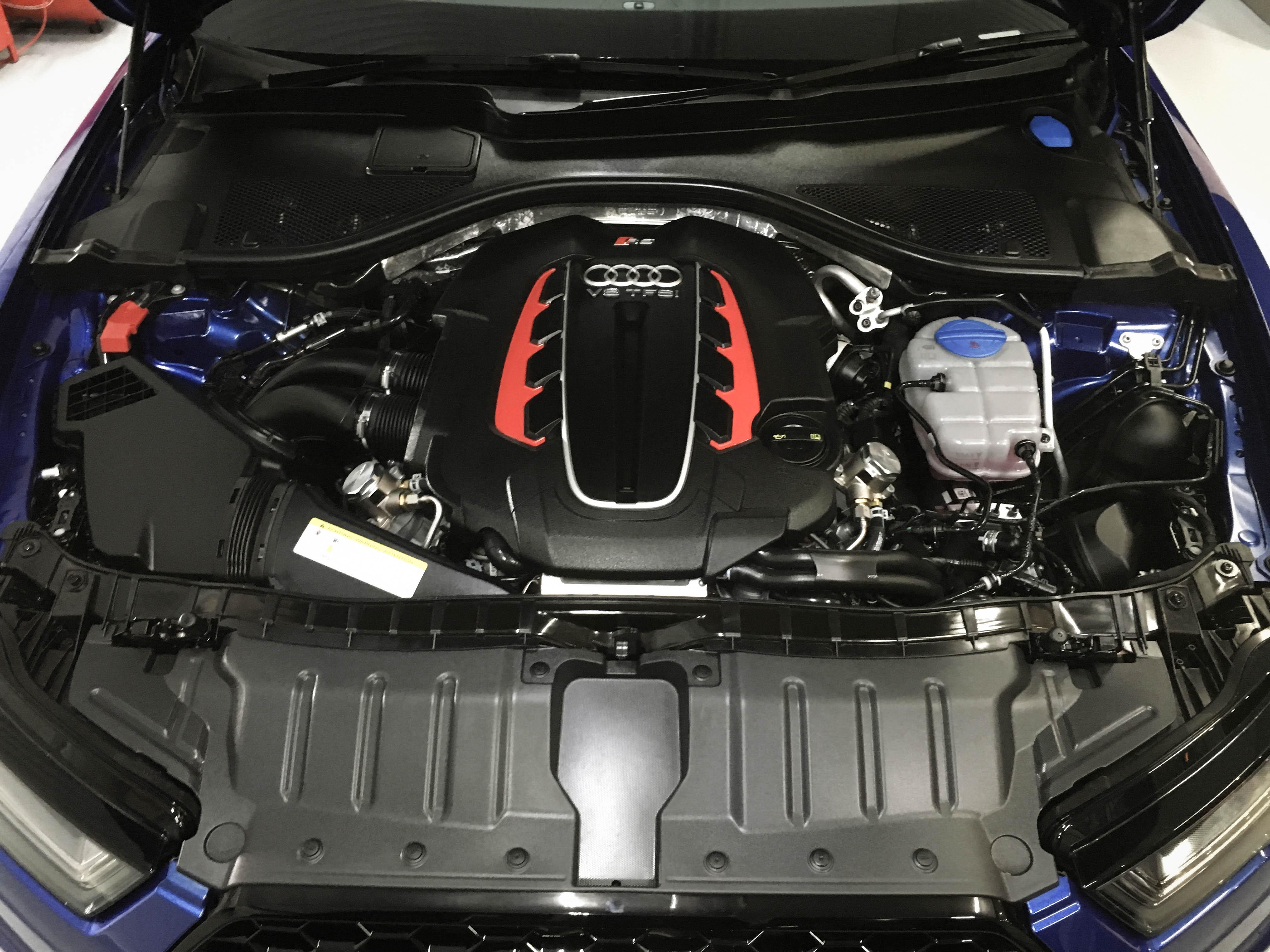 Audi RS6 –Engine