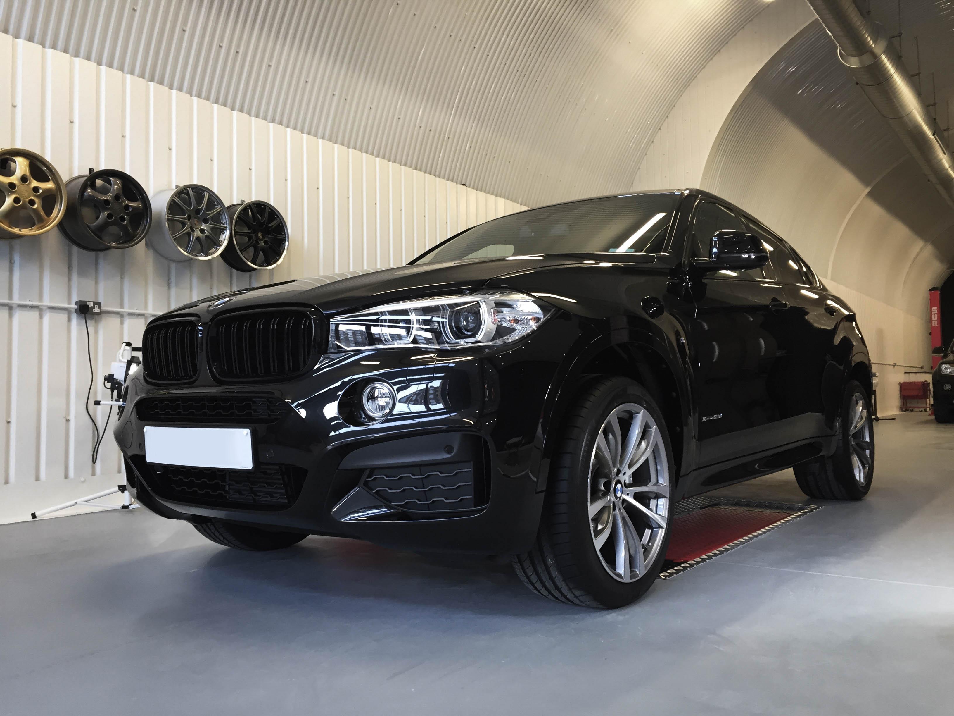 BMW X6 – Front passenger side