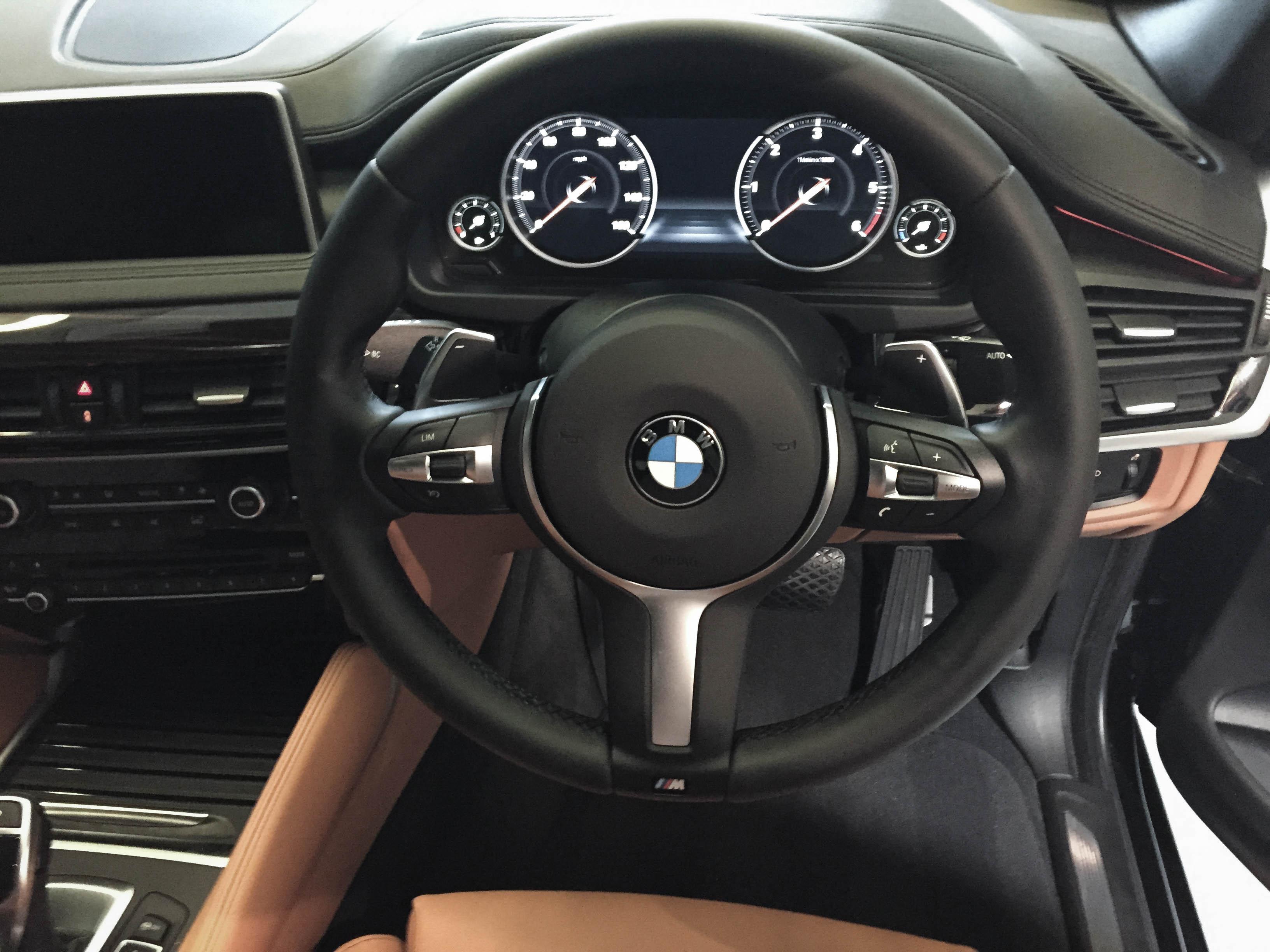 BMW X6 –Steel wheel and interior restoration