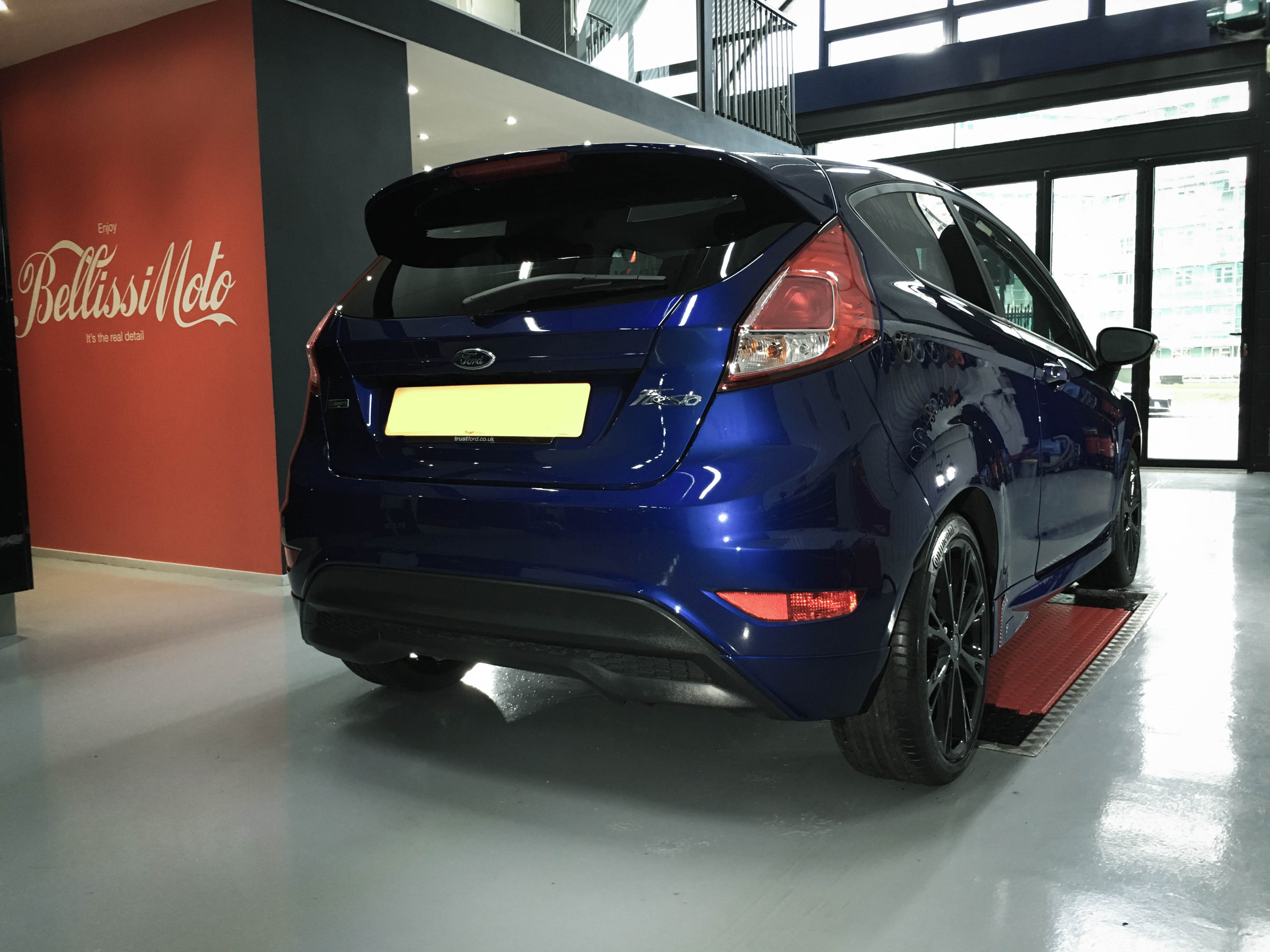 Ford Focus – Rear