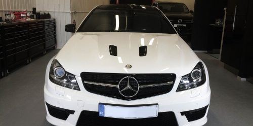 Mercedes C63 AMG (White) – Front