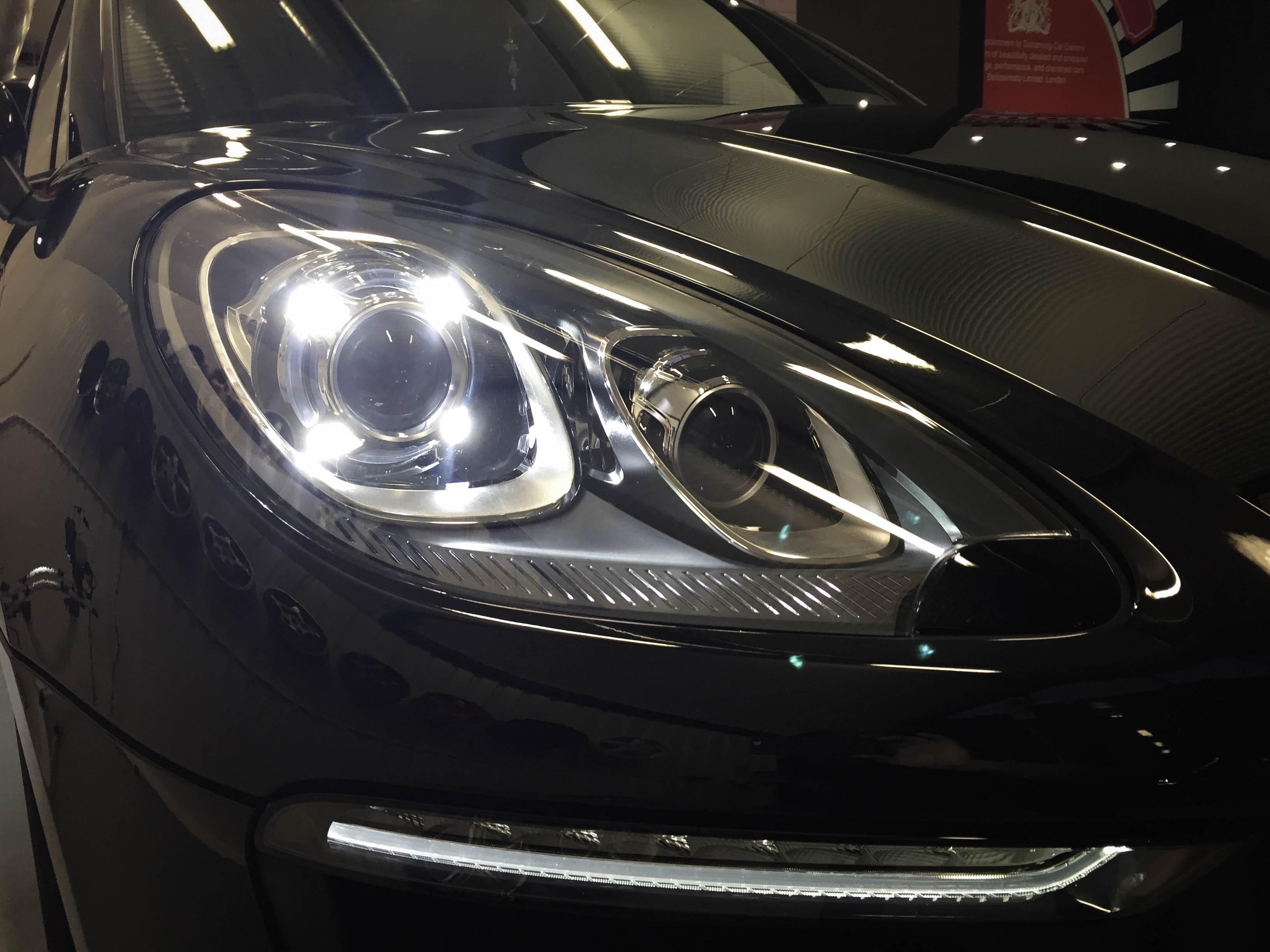 Porsche Macan – Light detail