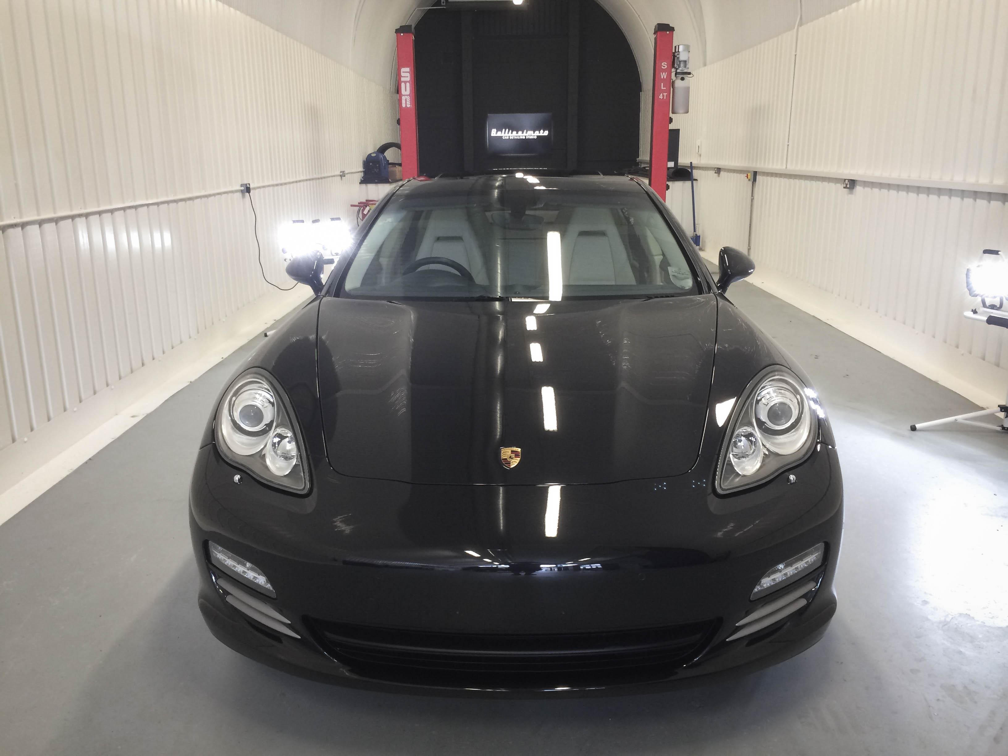 Porsche Panamera – Head on