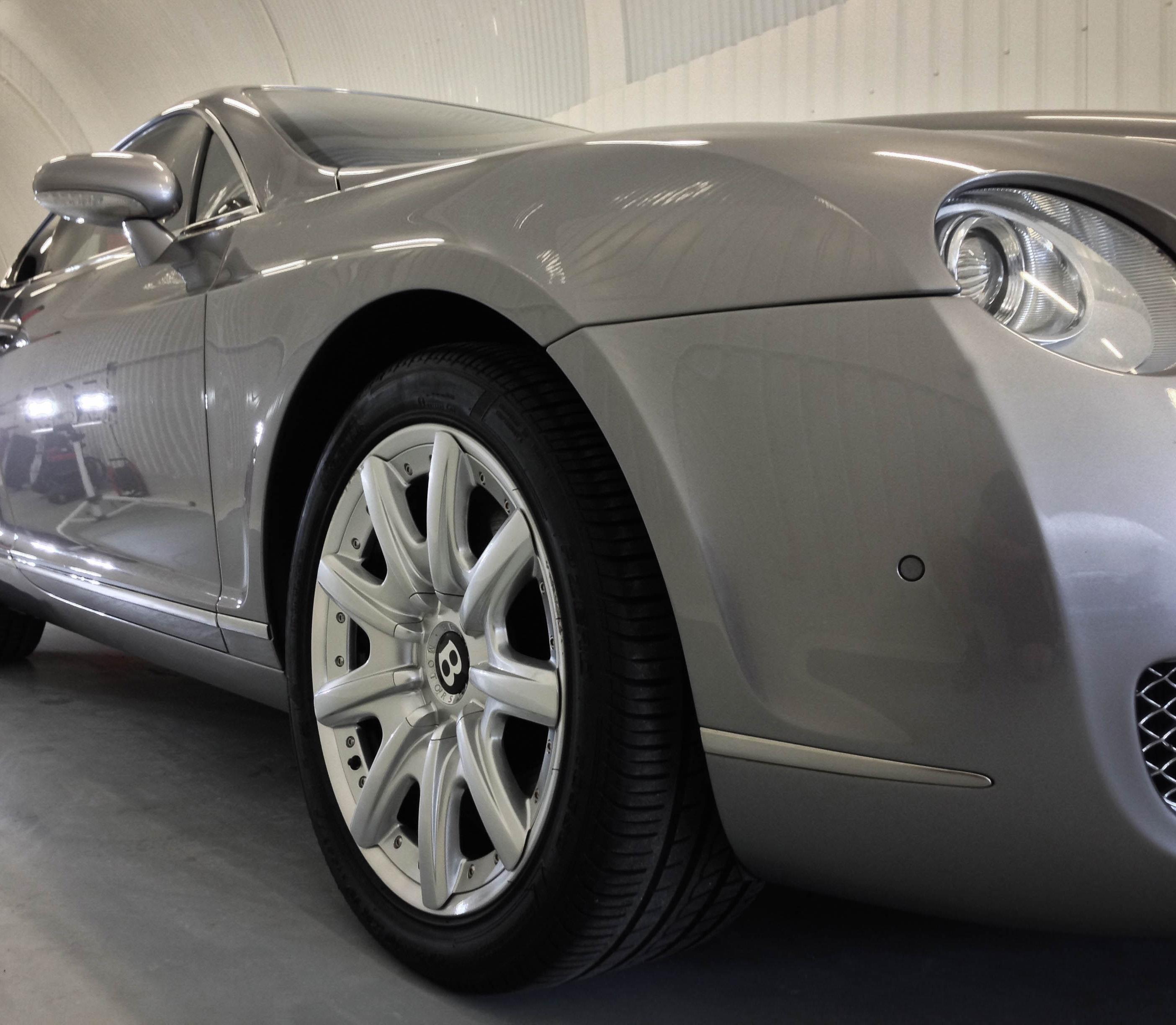 Bentley Continental 2 Door – Front wheel