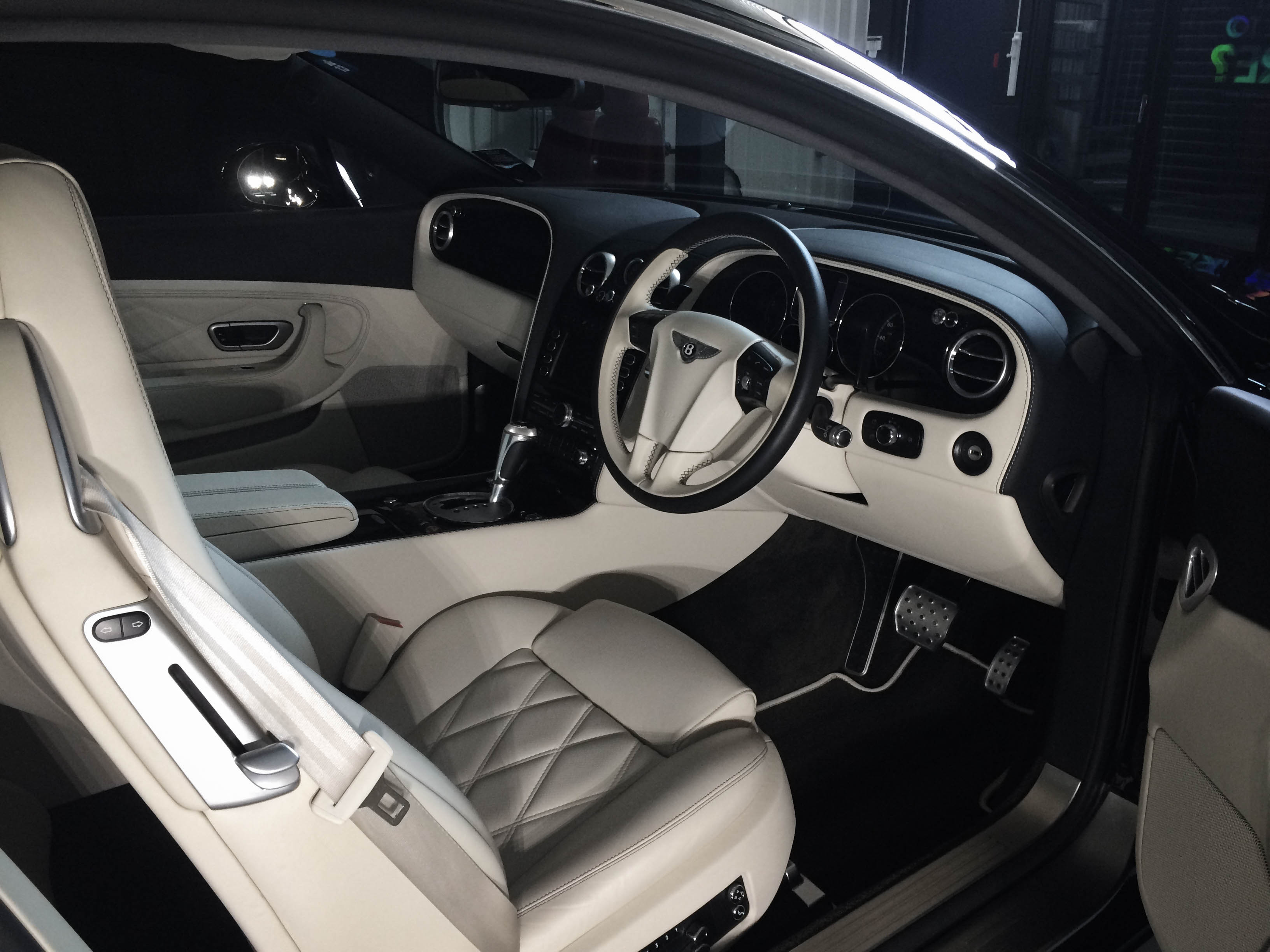 Bentley-Continental-B-12