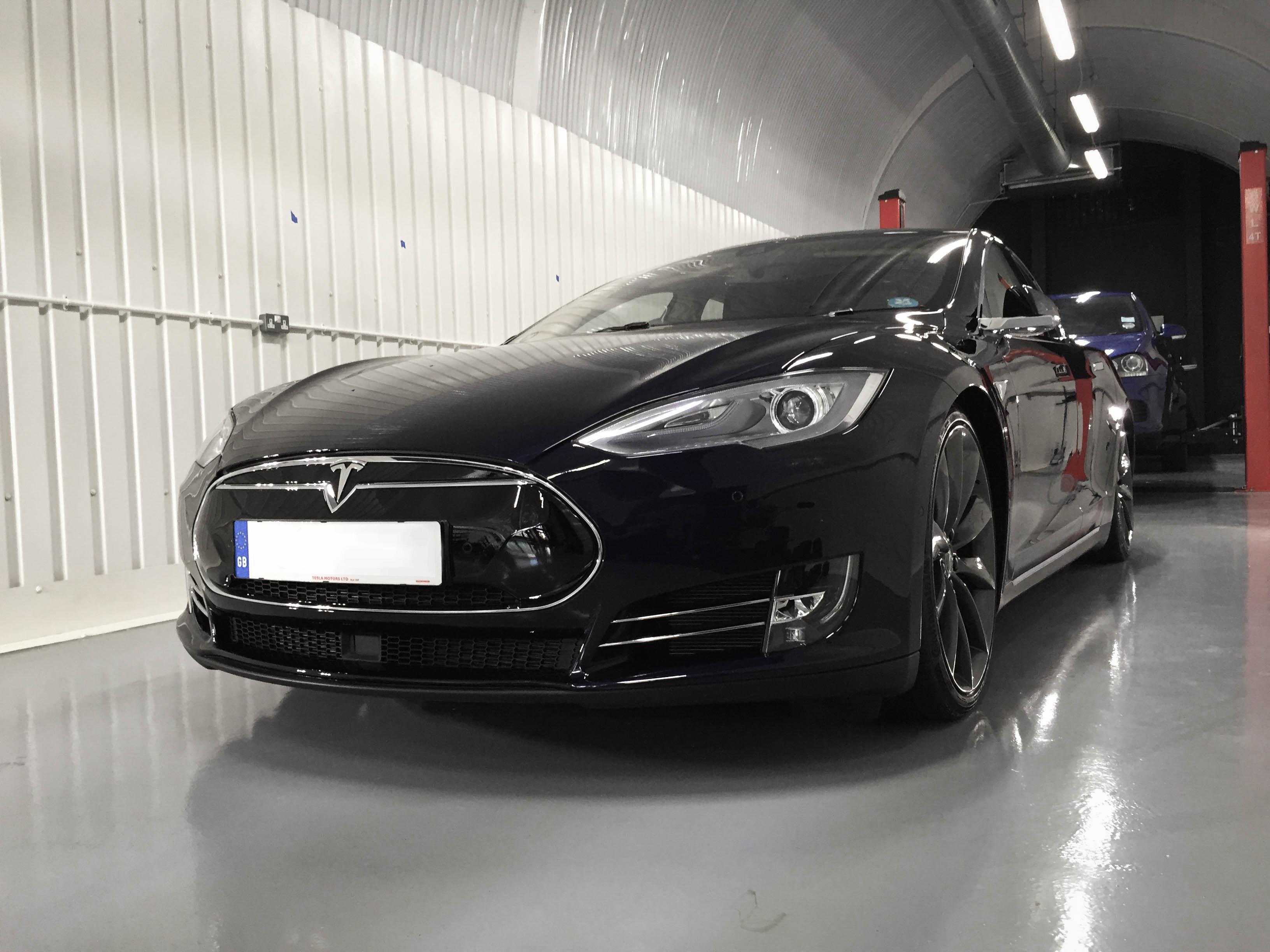 Tesla-Model S-front
