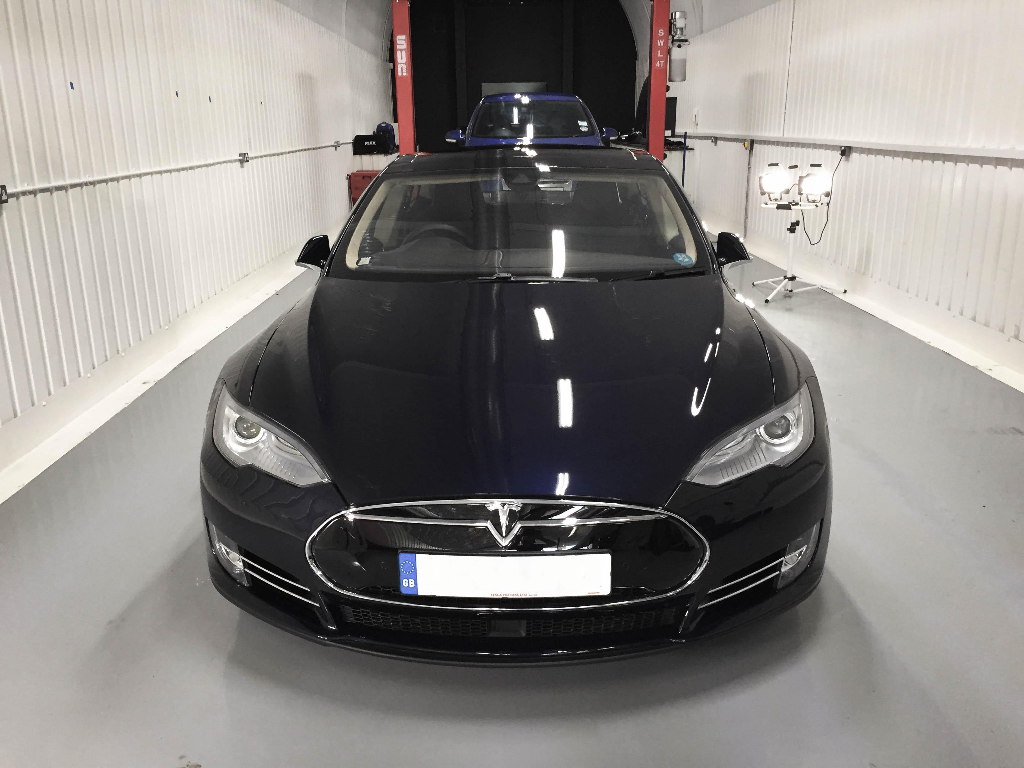 Tesla-Model S-headon