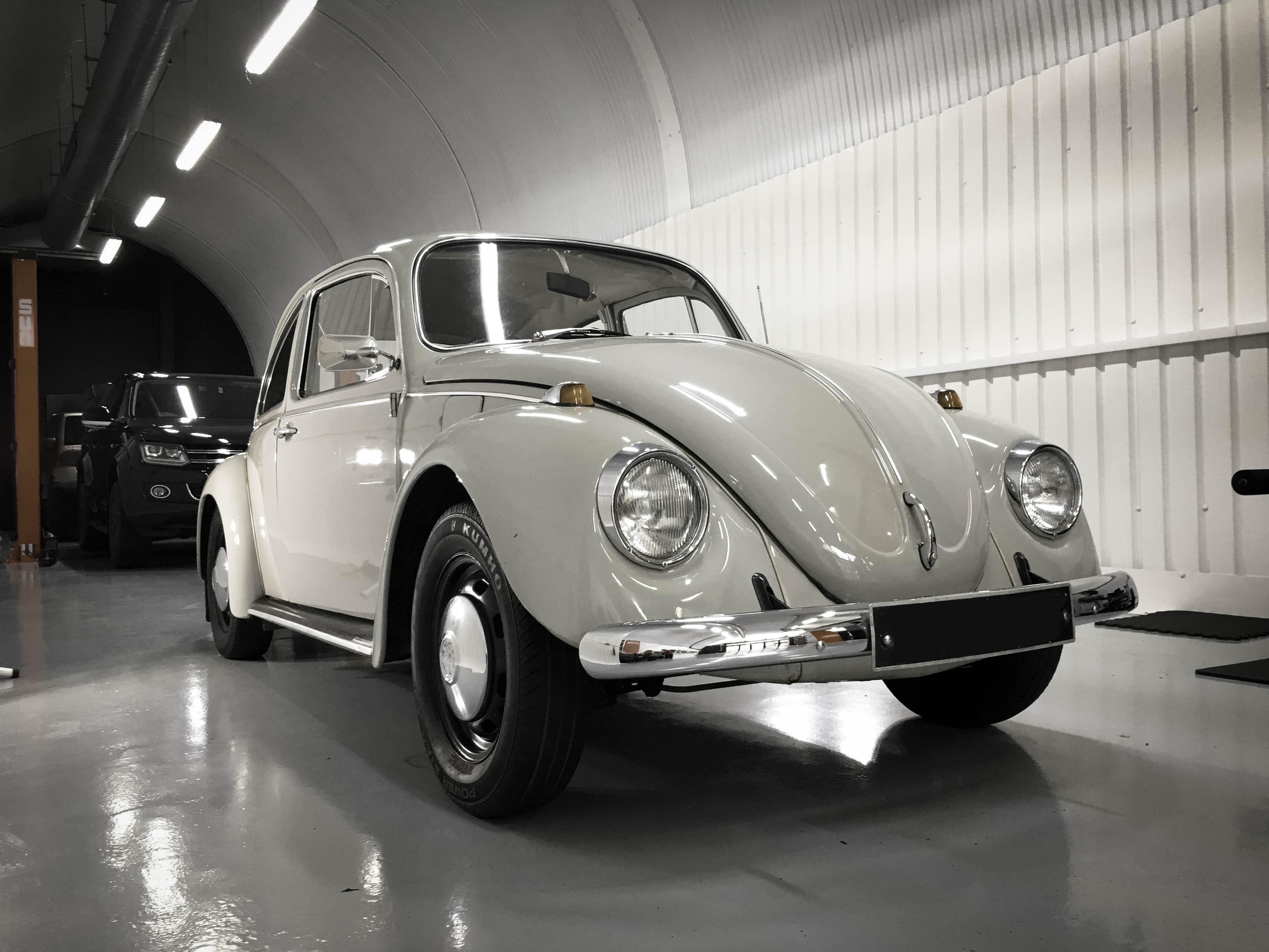 VW-Beetle-3quarters