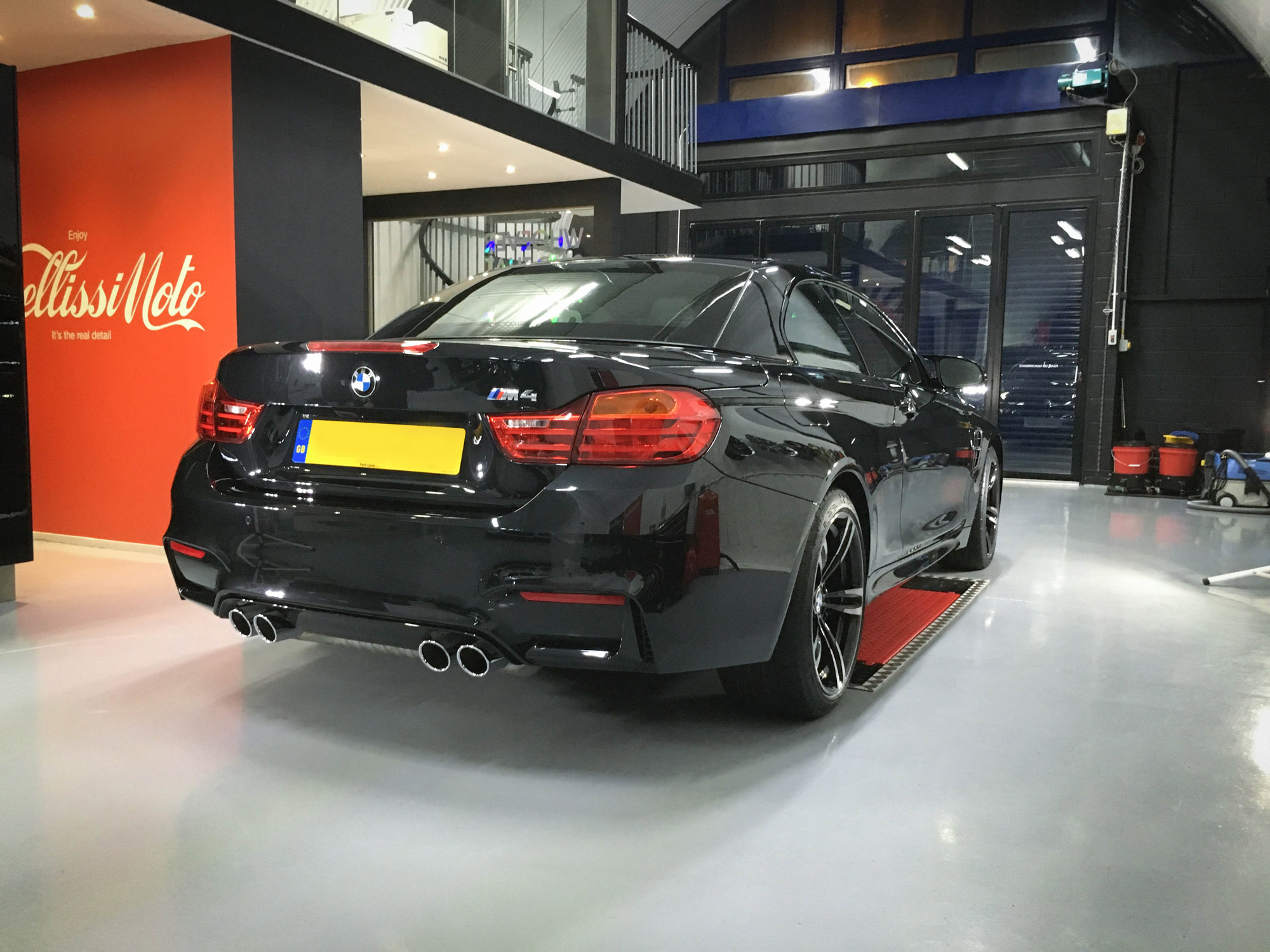 BMW-M4-Rear-drivers-side