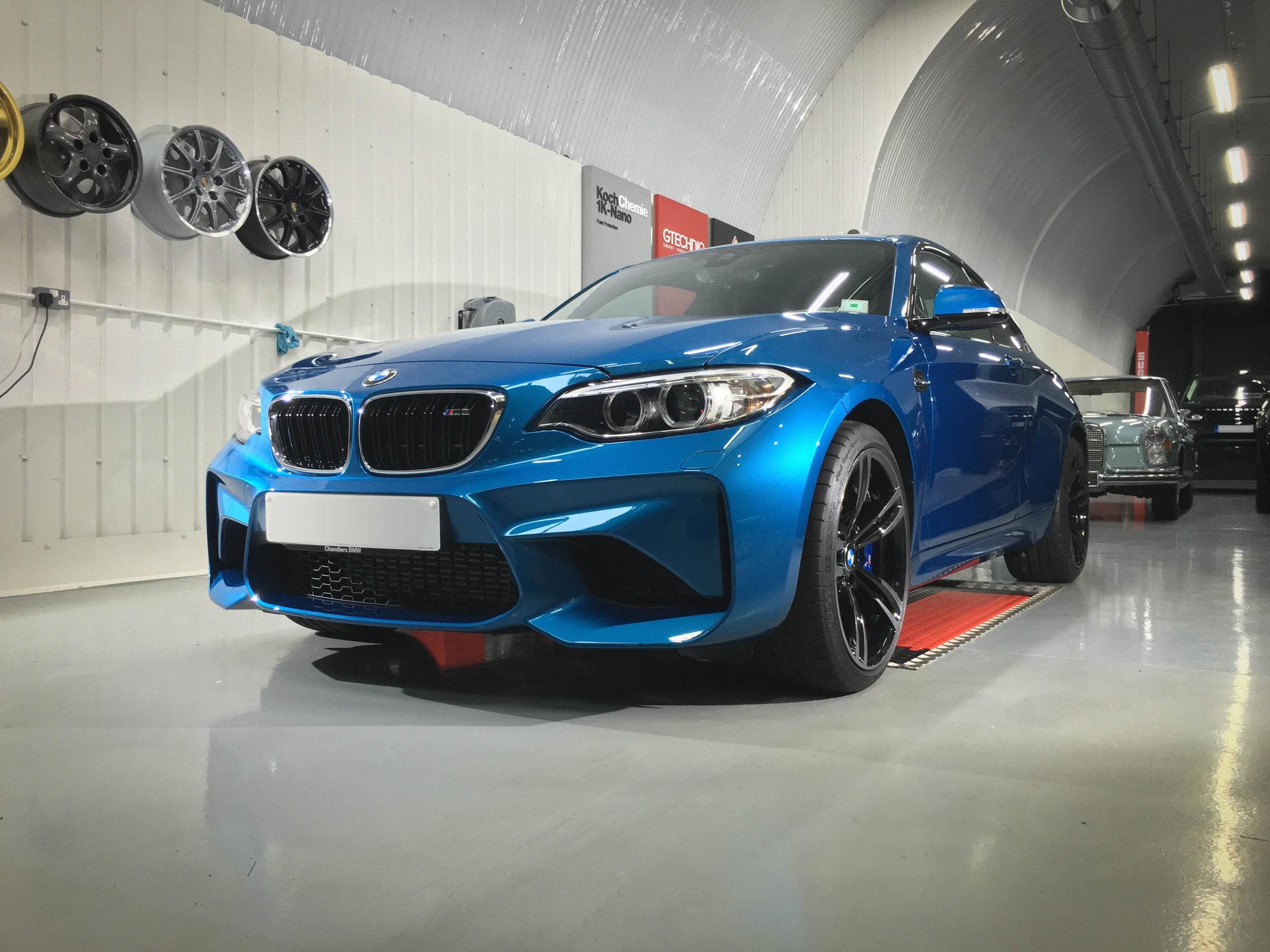 BMW_M2-front-passenger
