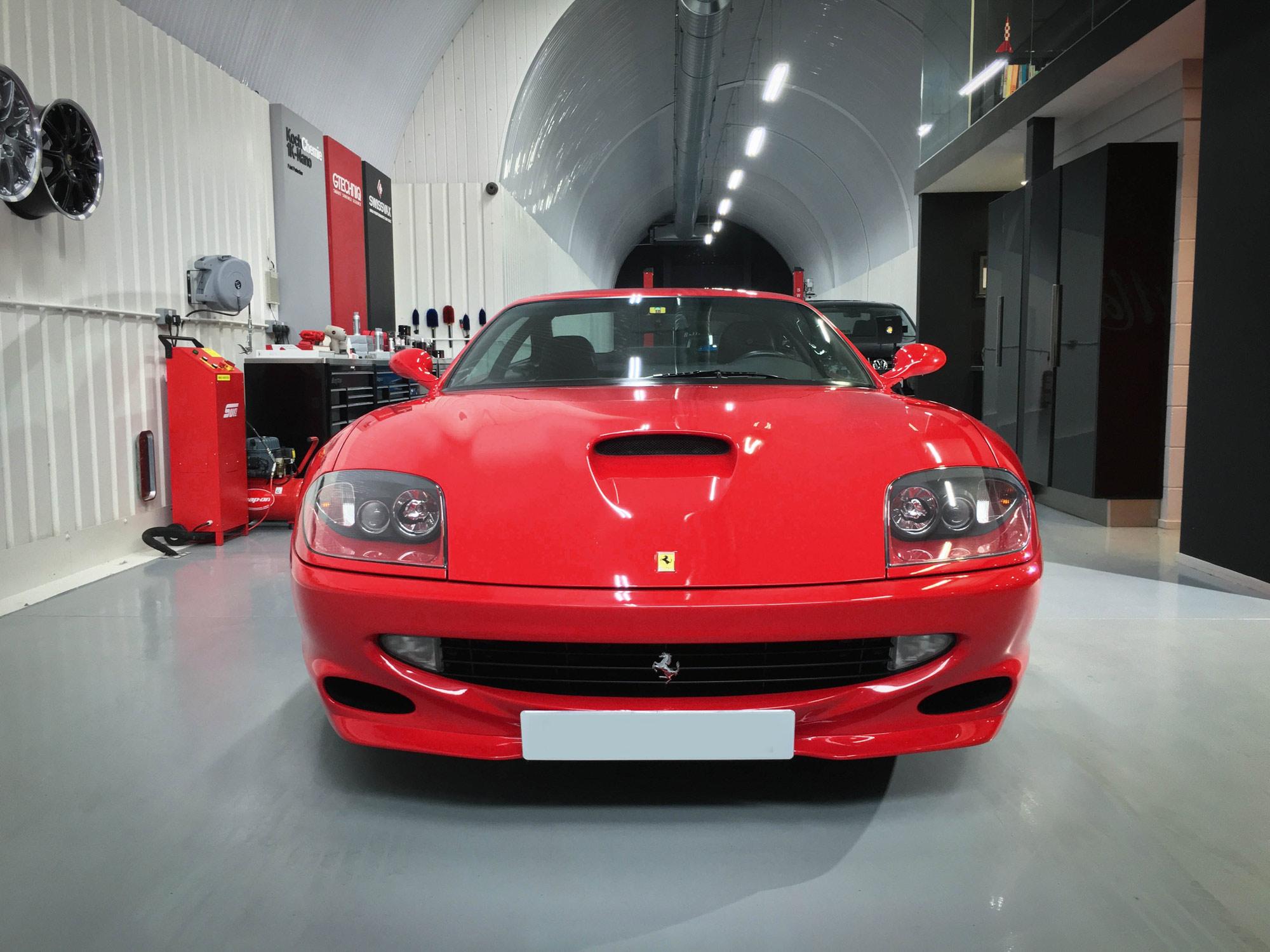 Ferrari_550_Maranello-head-on